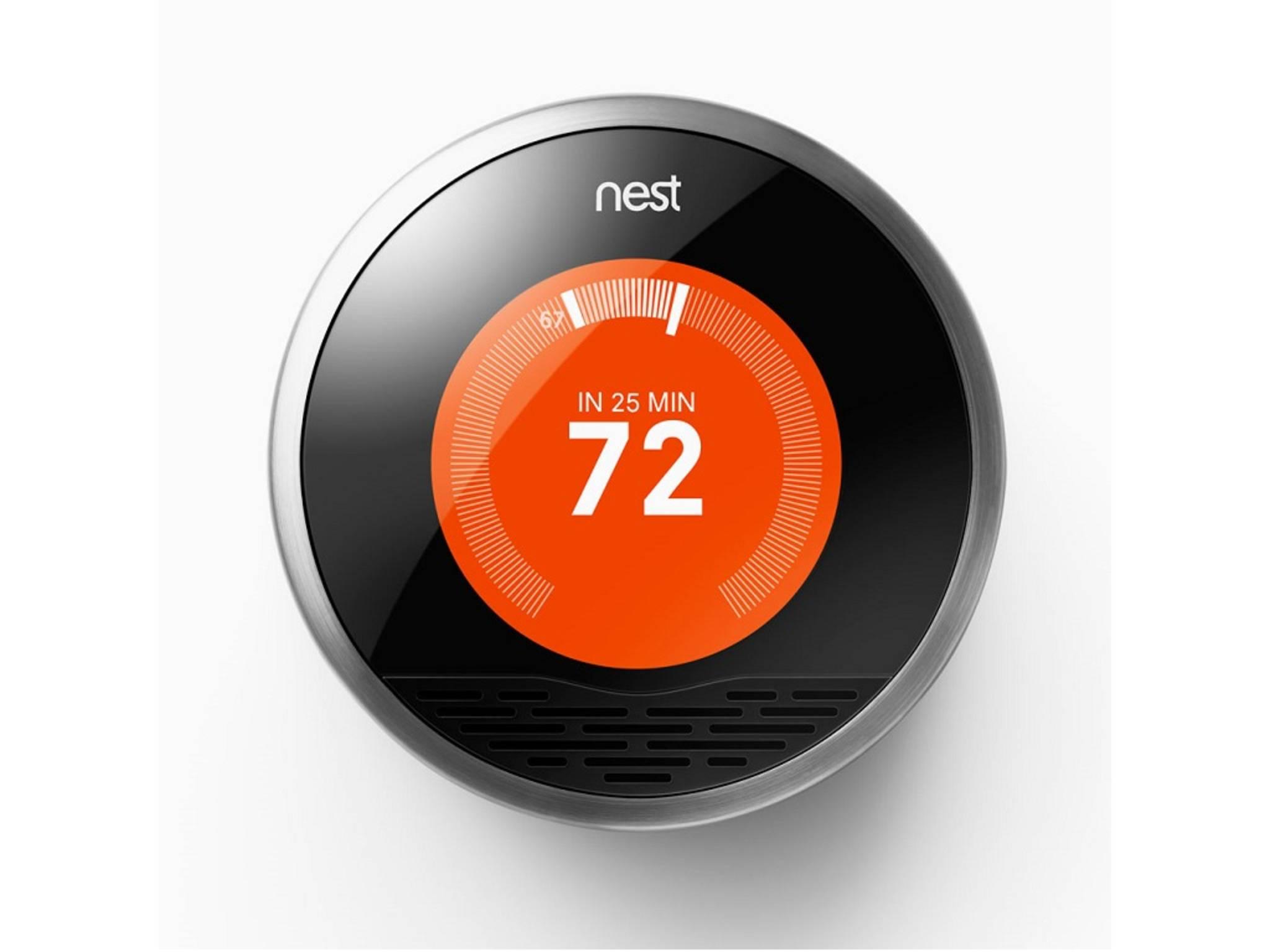 Das Nest Thermostat reguliert die Wärme in Deinem Haus.