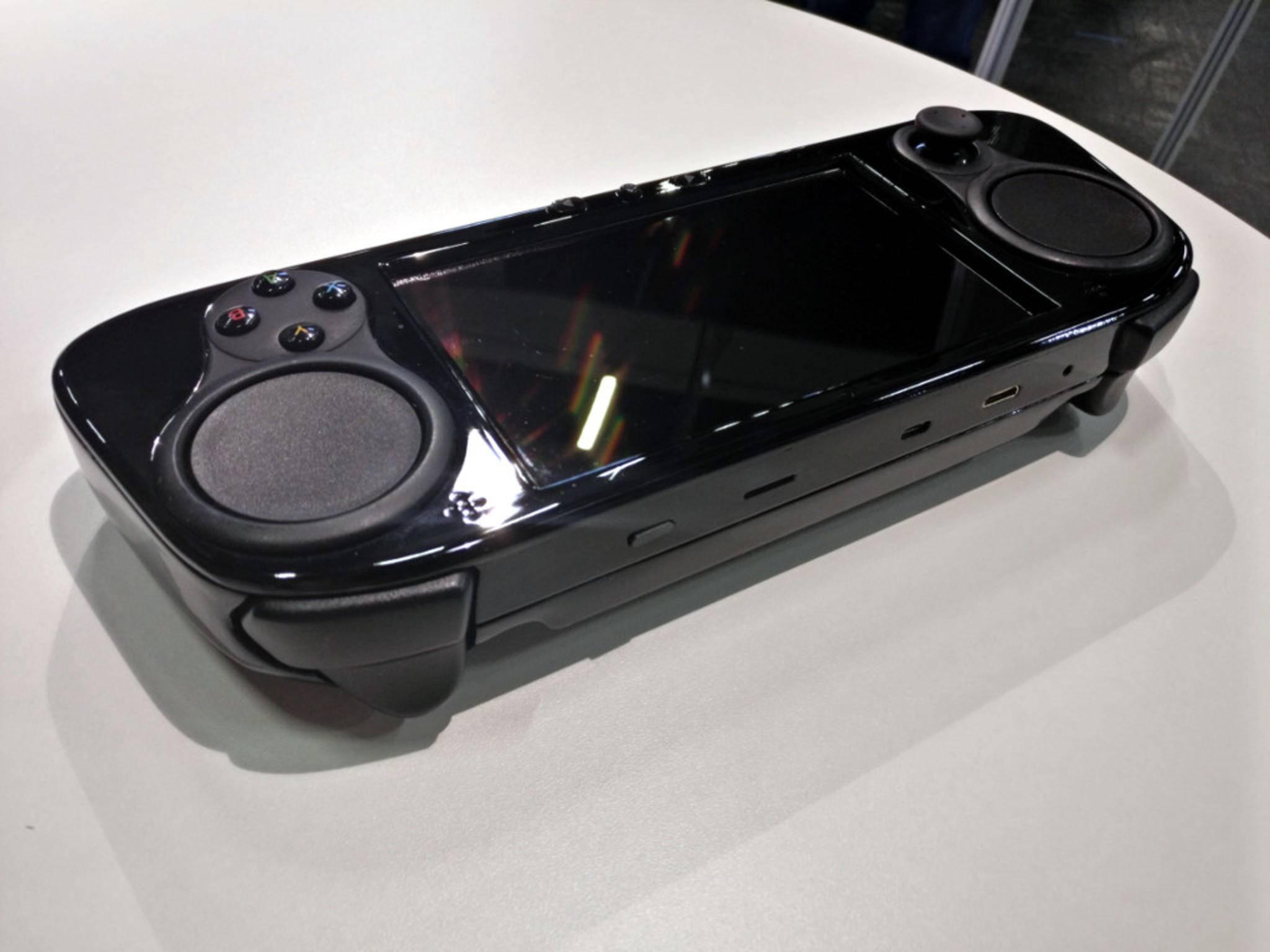 Der SMACH Z bietet einen Kopfhörereingang, einen USB-C-Anschluss und einen HDMI-Ausgang.