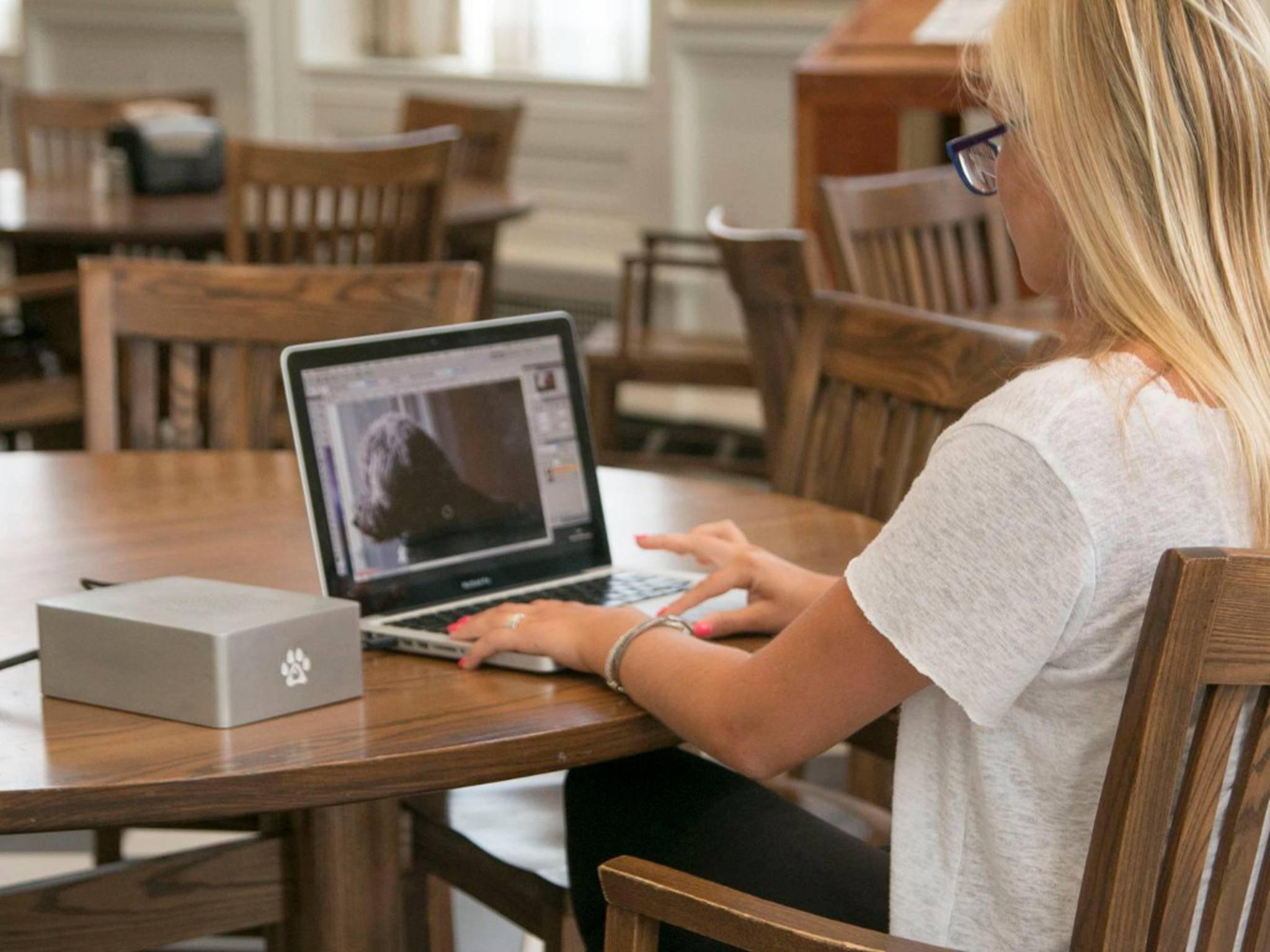 The Wolfe ist eine kleine GPU-Box, die an den Laptop angeschlossen wird.