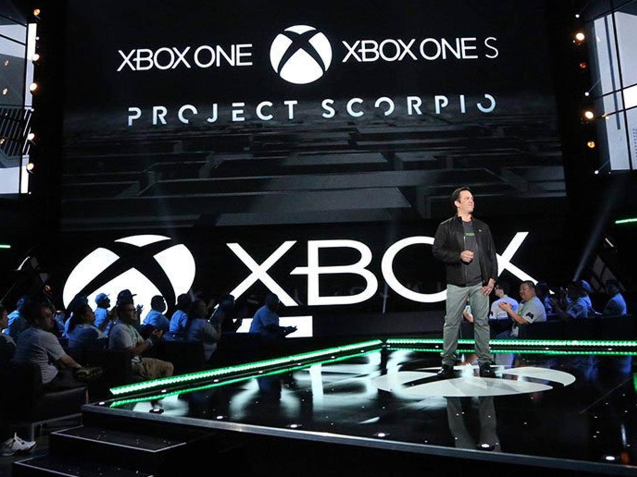 Microsoft Xbox-Chef Phil Spencer bei der Vorstellung der Xbox Scorpio.