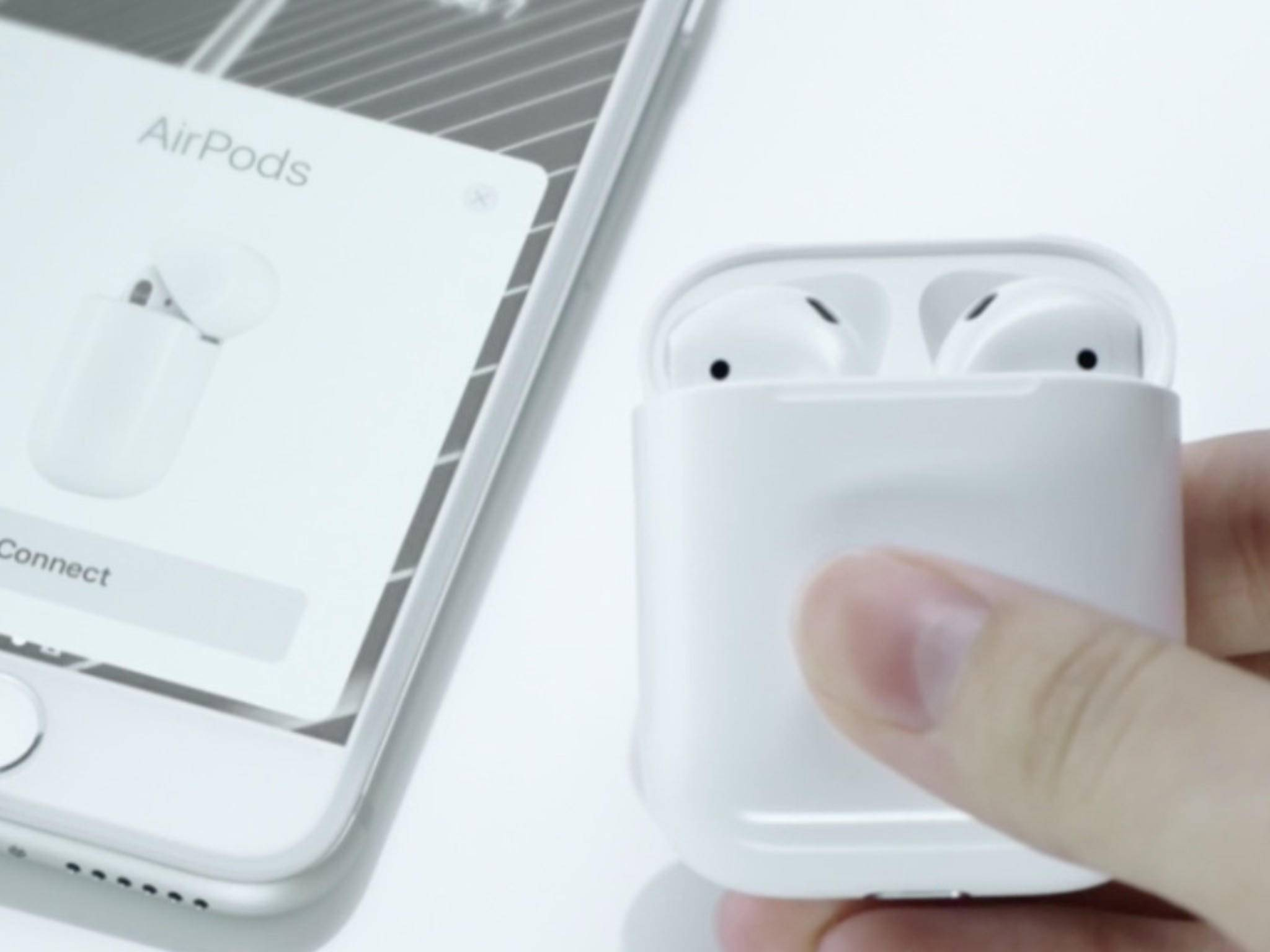 Apple AirPods: Die Box dient zugleich als Ladestation.