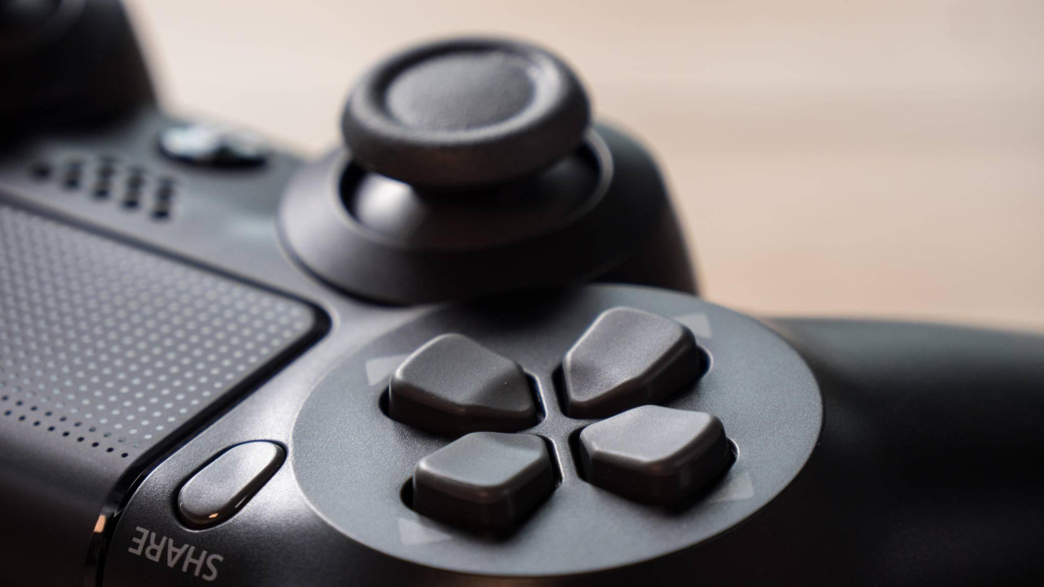 PS4- und Xbox-Controller lassen sich bald einfach mit iOS verbinden.