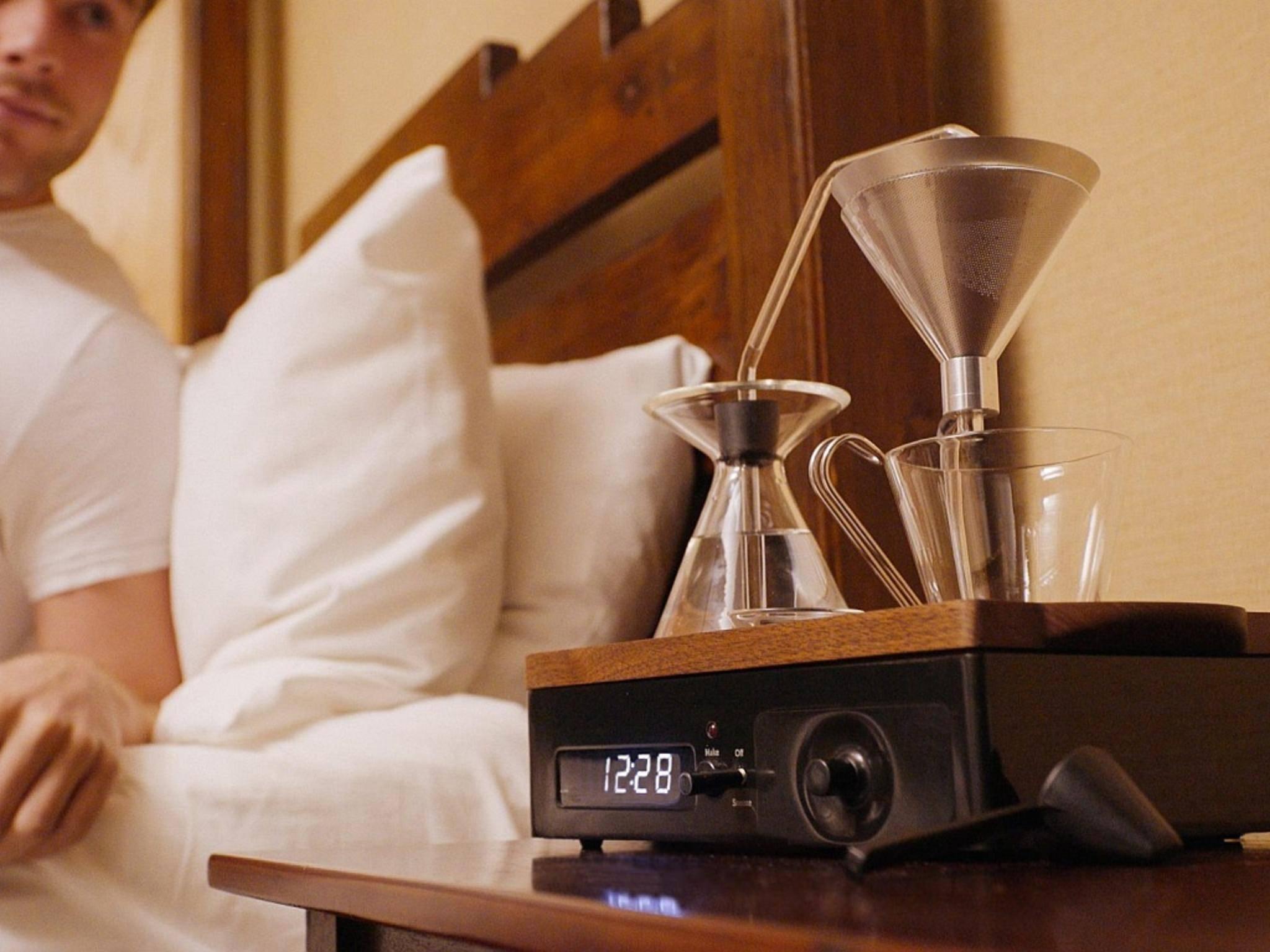 Der Barisieur brüht Kaffee direkt im Schlafzimmer.