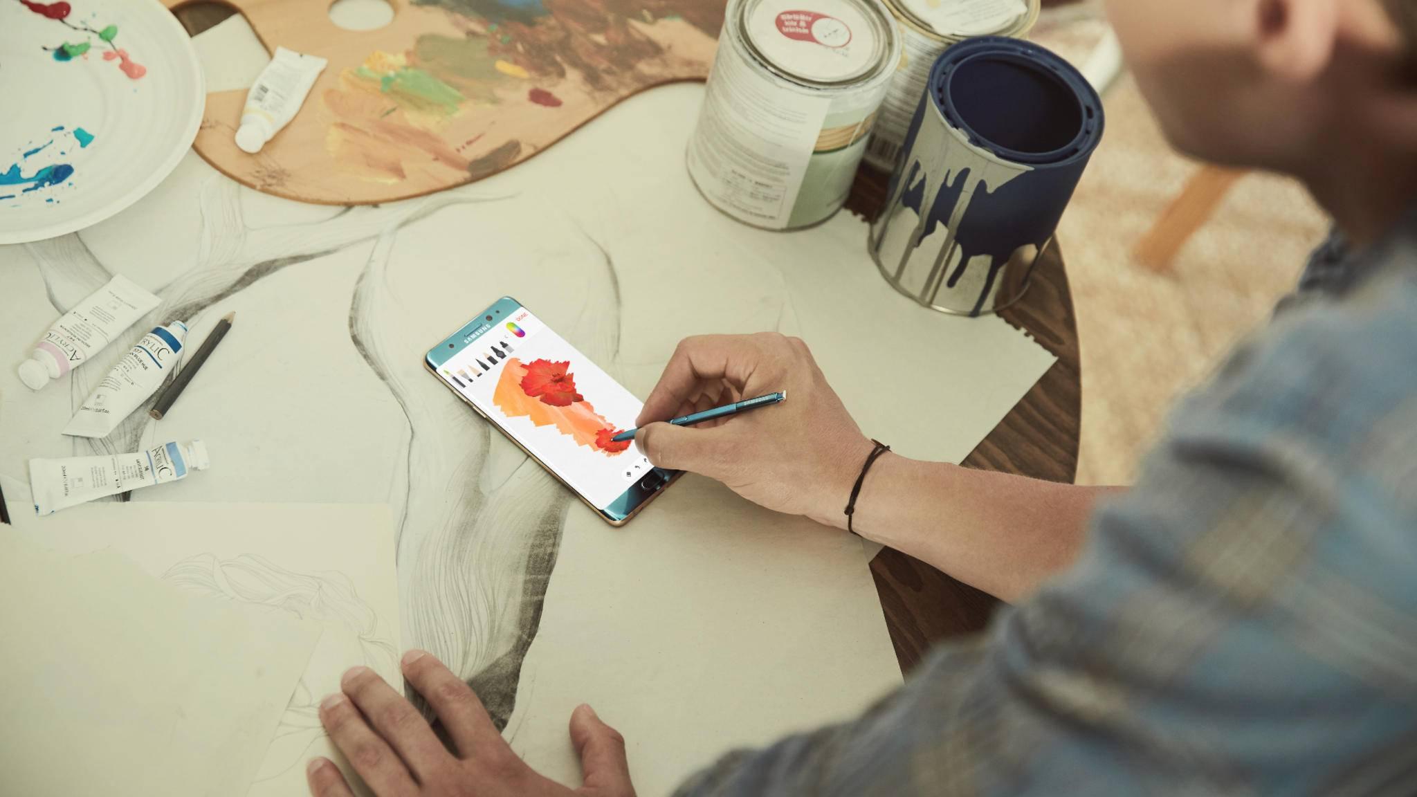 Bei dem angekündigten Flaggschiff für die zweite Jahreshälfte dürfte es sich um den Nachfolger des Galaxy Note 7 handeln.