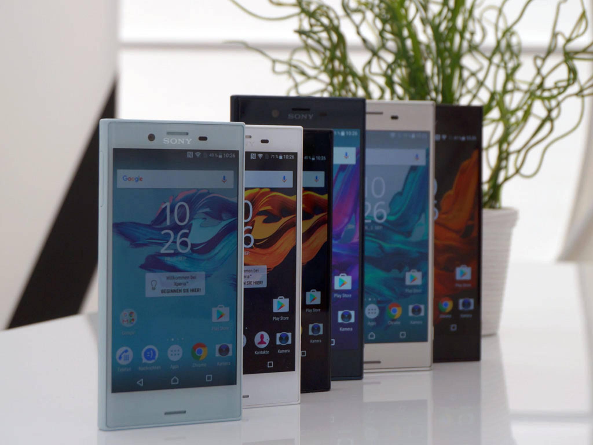 Xperia X Compact und XZ kommen jeweils in drei Farben auf den Markt.