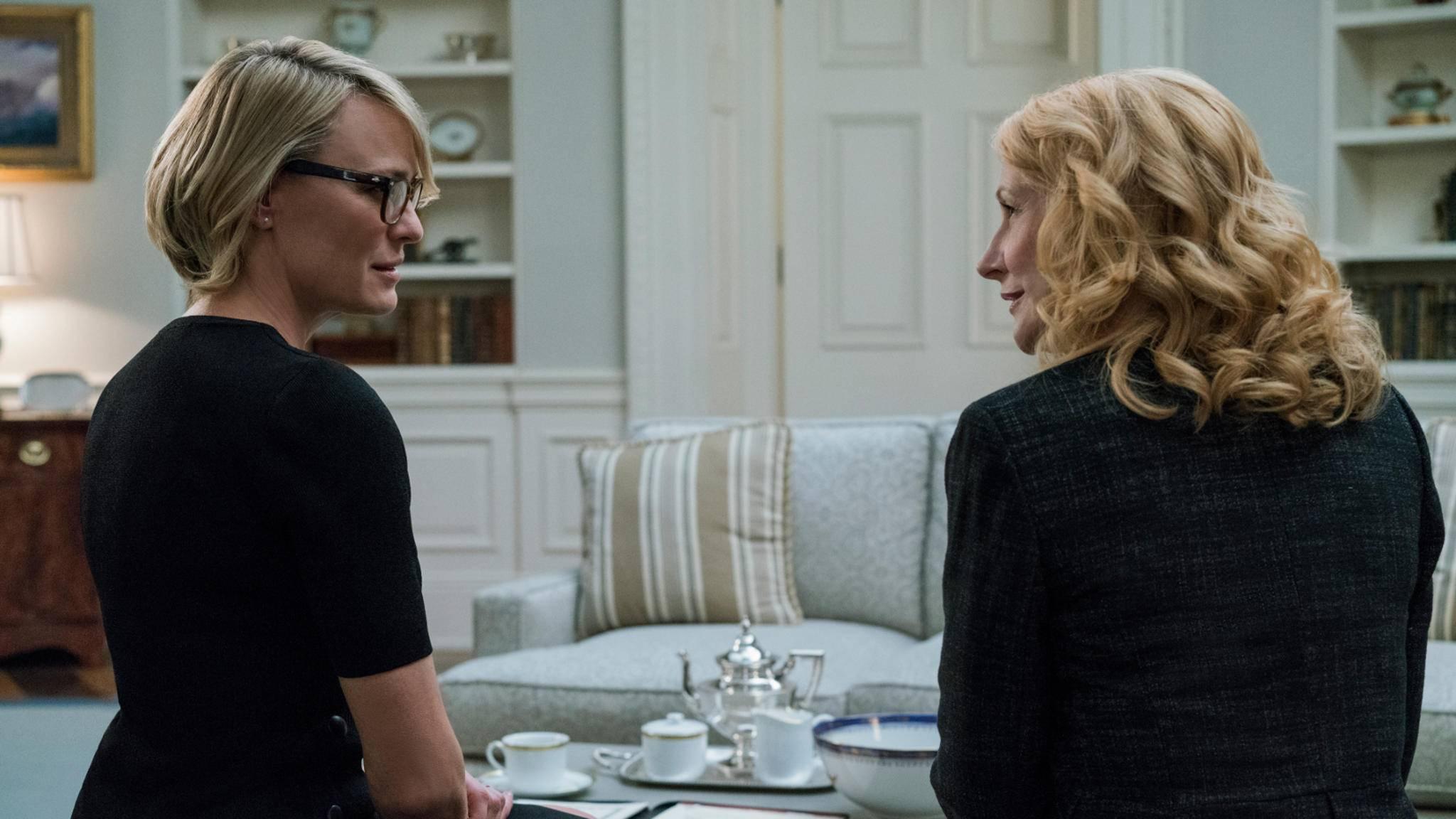 """Geballte Frauenpower: In der sechsten """"House of Cards""""-Staffel steht vor allem Claire Underwood (Robin Wright, links) im Fokus."""
