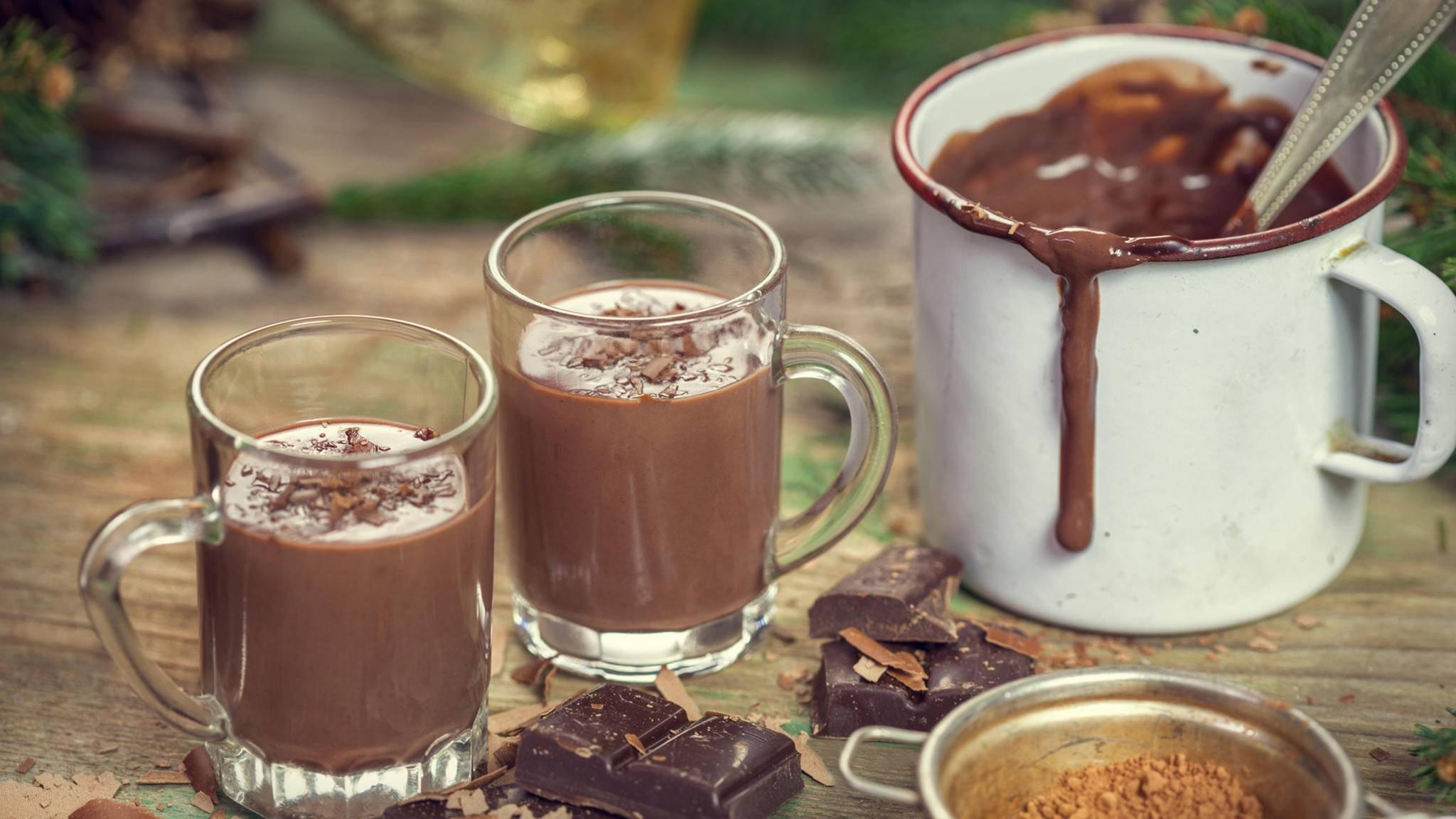 Eine heiße Schokolade vermittelt Gemütlichkeit.