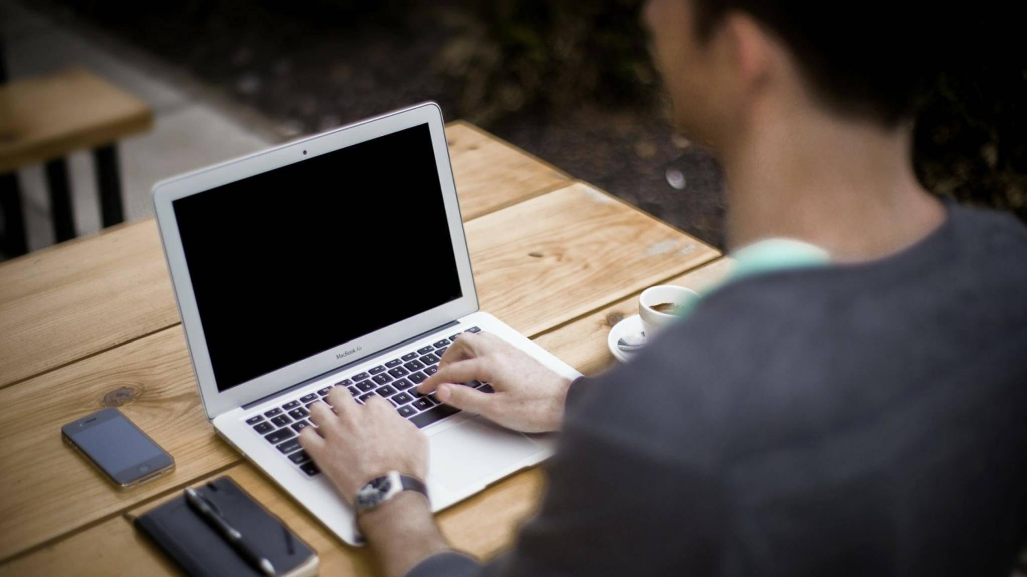 Leere Zeilen und Spalten kann man in Excel auf einen Schlag löschen.