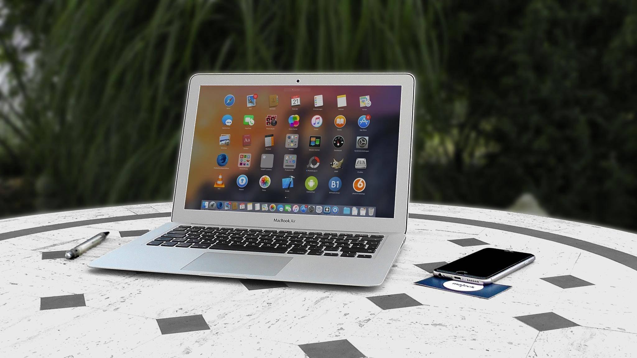 MacBooks haben weniger Probleme mit inkompatiblen Treibern oder mit Software, die nicht laufen will.