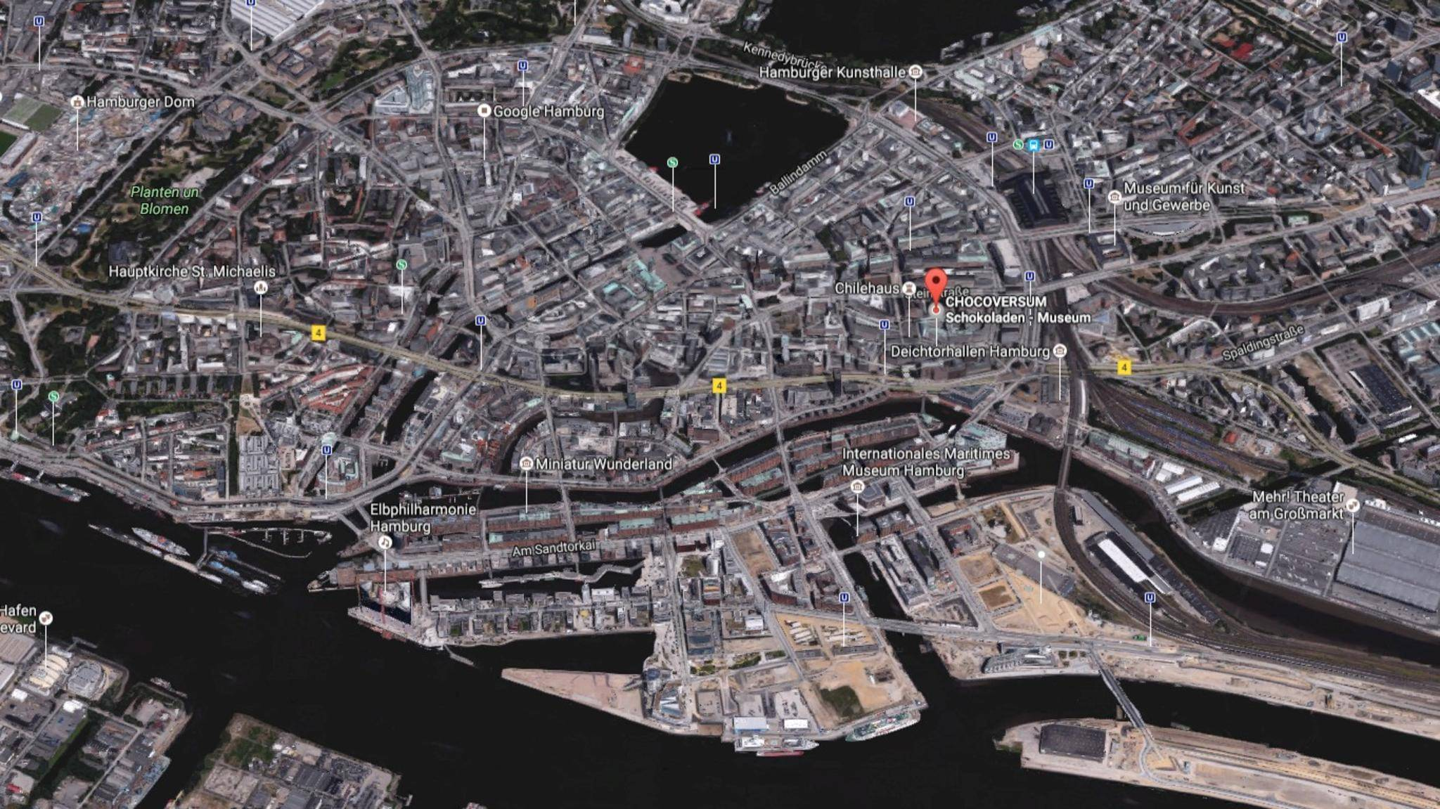 """Google Maps bietet verschiedene Ansichten wie diesen """"Earth""""-Blick auf Hamburg."""