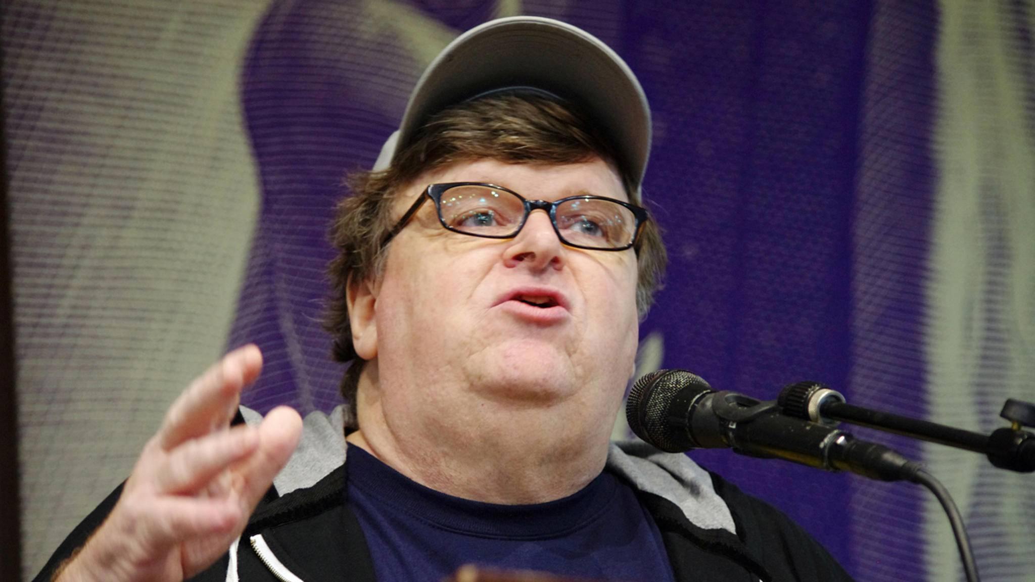 Oscarpreisträger Michael Moore macht seinem Ruf als politischer Filmemacher alle Ehre und mischt sich in den US-Wahlkampf ein.