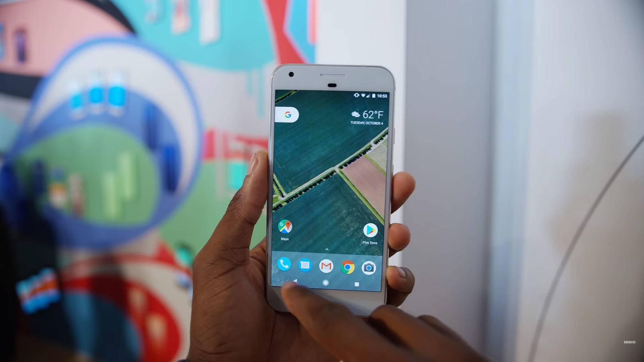 Das Display des Pixel ist schärfer als das des iPhone 7.