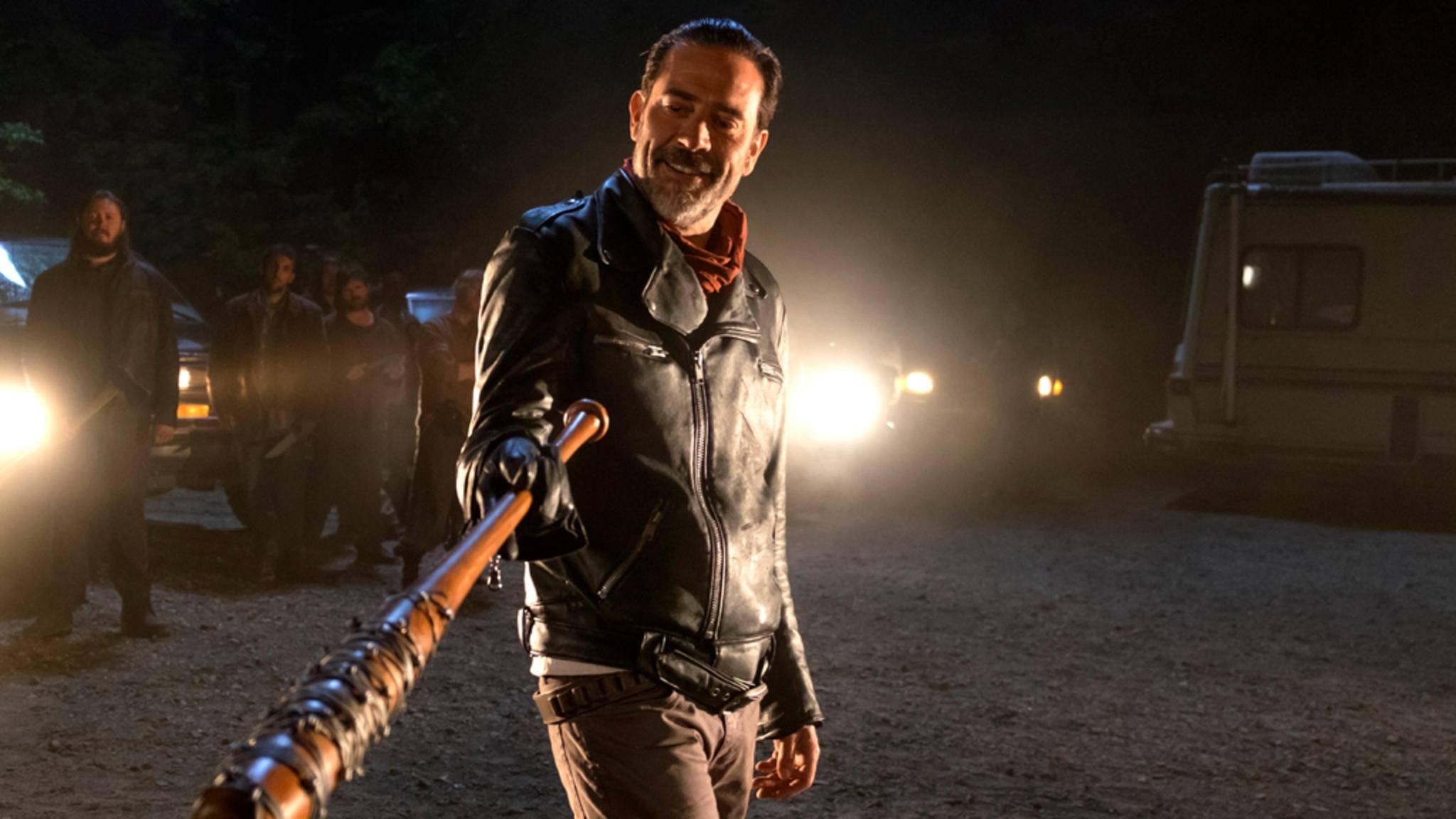 """Negan hat sein Opfer in der ersten """"The Walking Dead""""-Folge der neuen Staffel gefunden ..."""