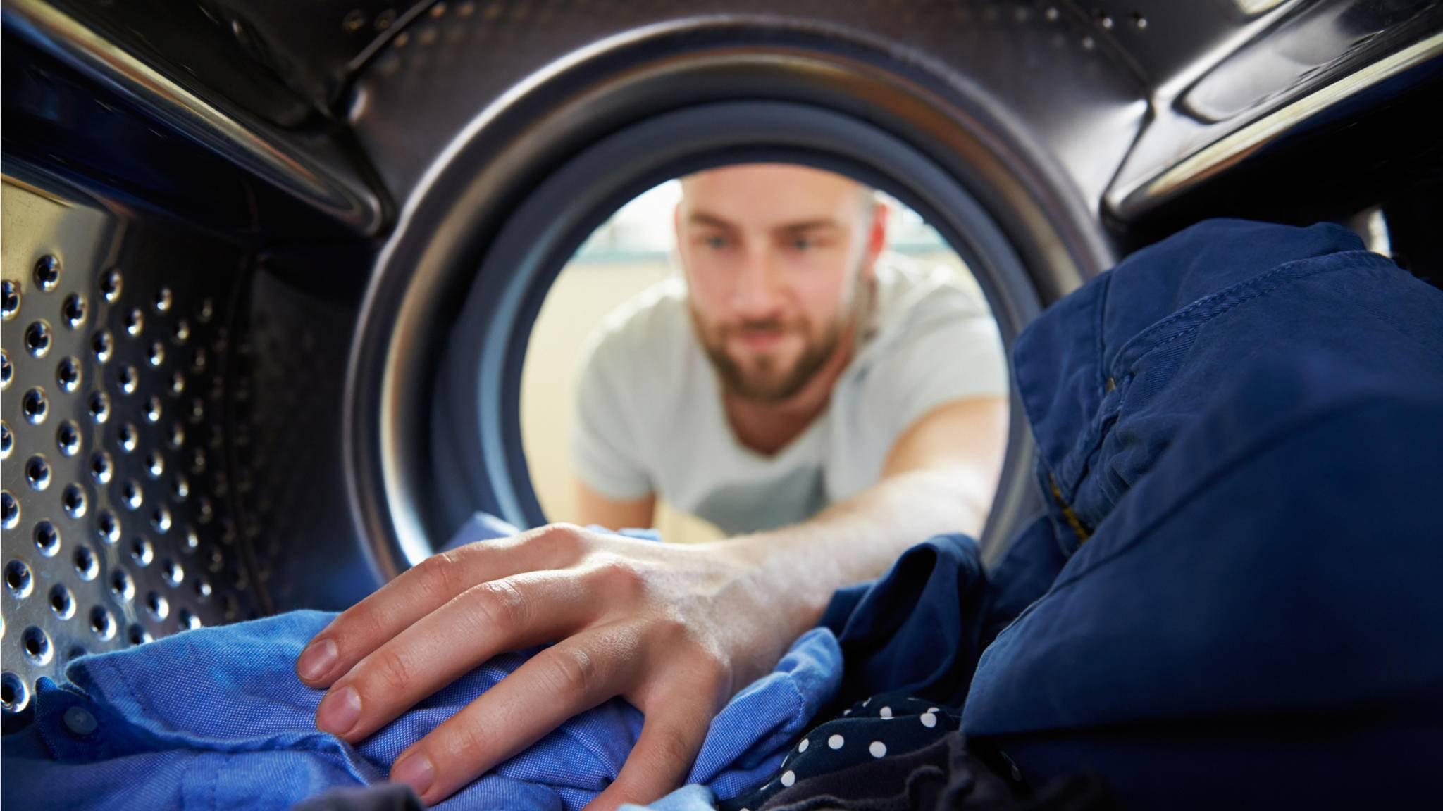 Die Waschmaschine ist nur eine Möglichkeit, Wäsche zu waschen.