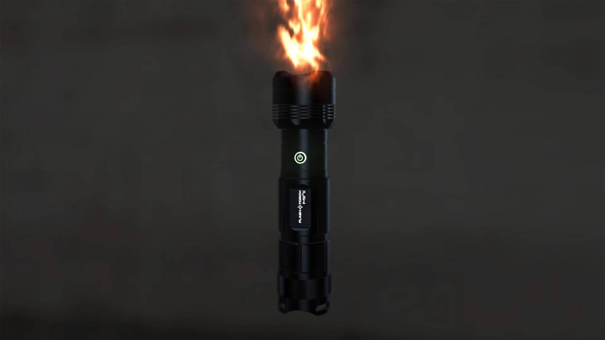 Heißes Eisen: Die FlashTorch sieht aus wie ein Lichtschwert und wird ungefähr genauso heiß.