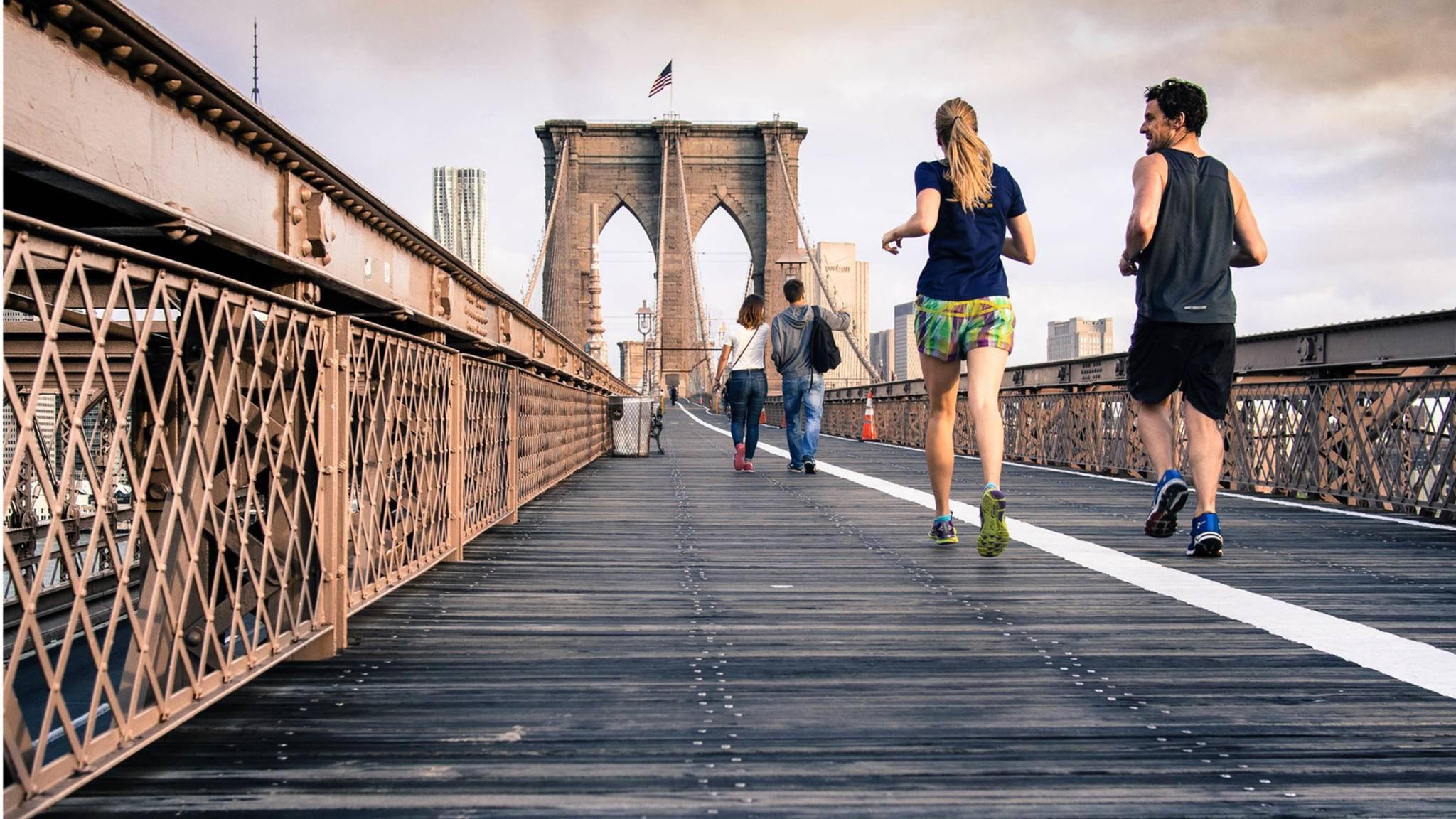 Joggen an der frischen Luft ist ein idealer Ausgleichssport.