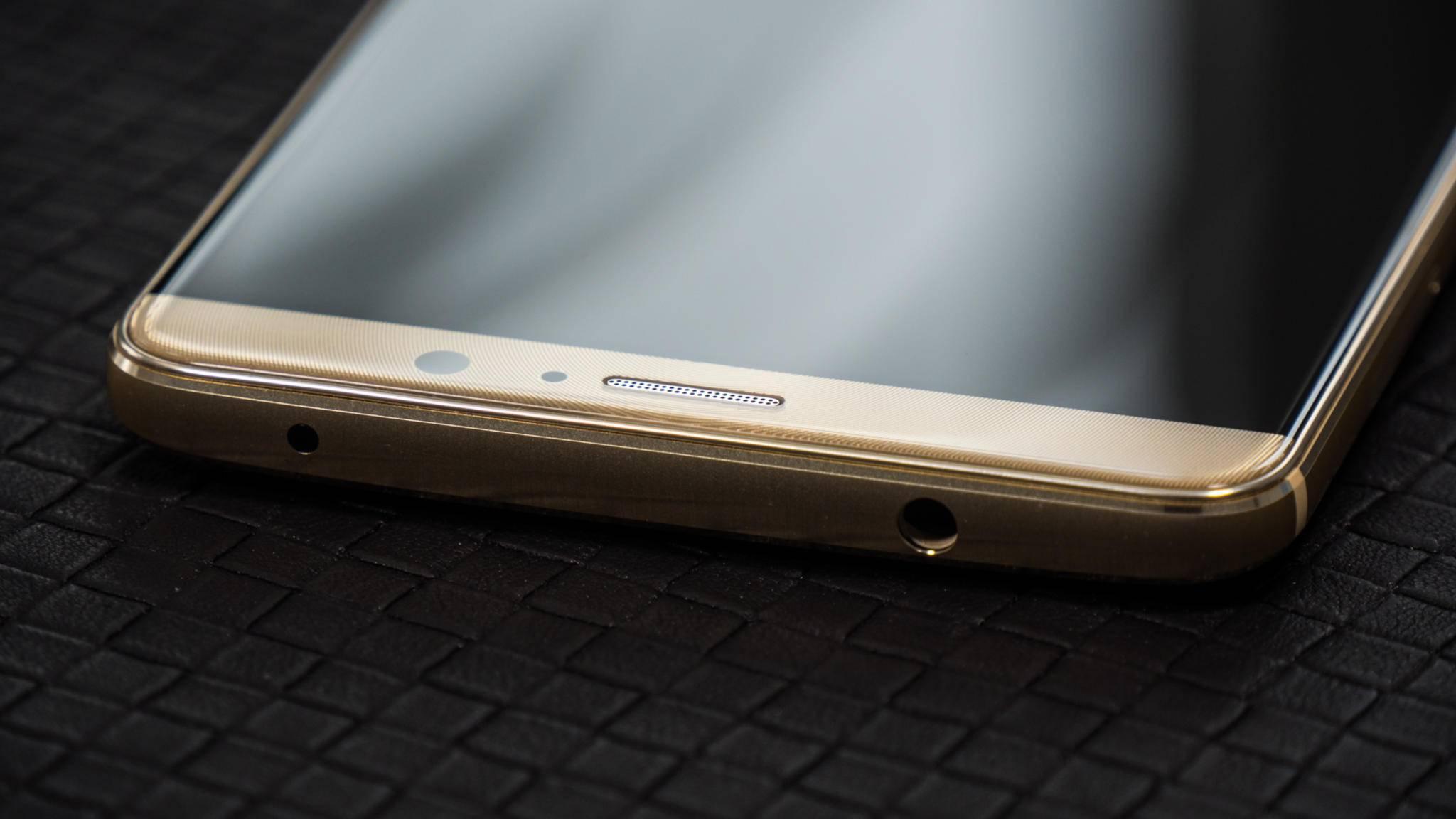 Das Huawei Mate 10 wird im Gegensatz zum Vorgänger wohl ein fast randloses 18:9-Display mitbringen.