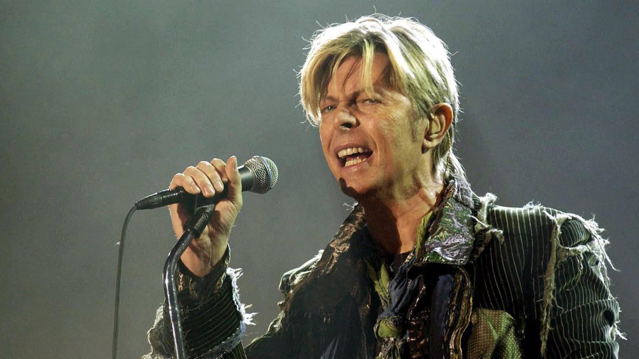 """David Bowie verstarb im Januar 2016 im Alter von 69 Jahren. Kurz vorher hatte er mit """"Blackstar"""" eines der bedeutendsten Alben des Jahres veröffentlicht."""