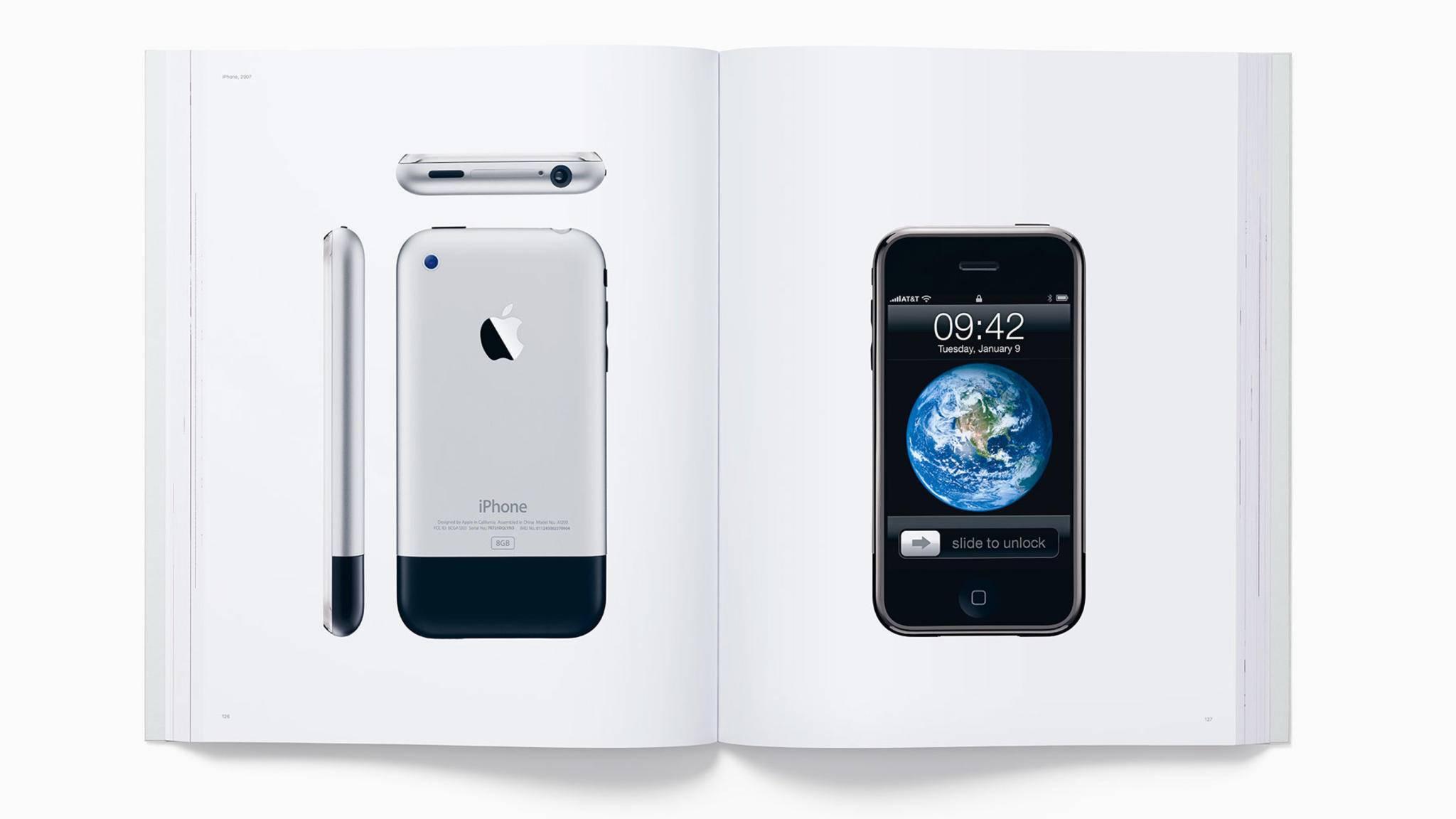 """Apple-Fans dürfen sich auf das hochwertige Fotobuch """"Designed by Apple in California"""" freuen."""