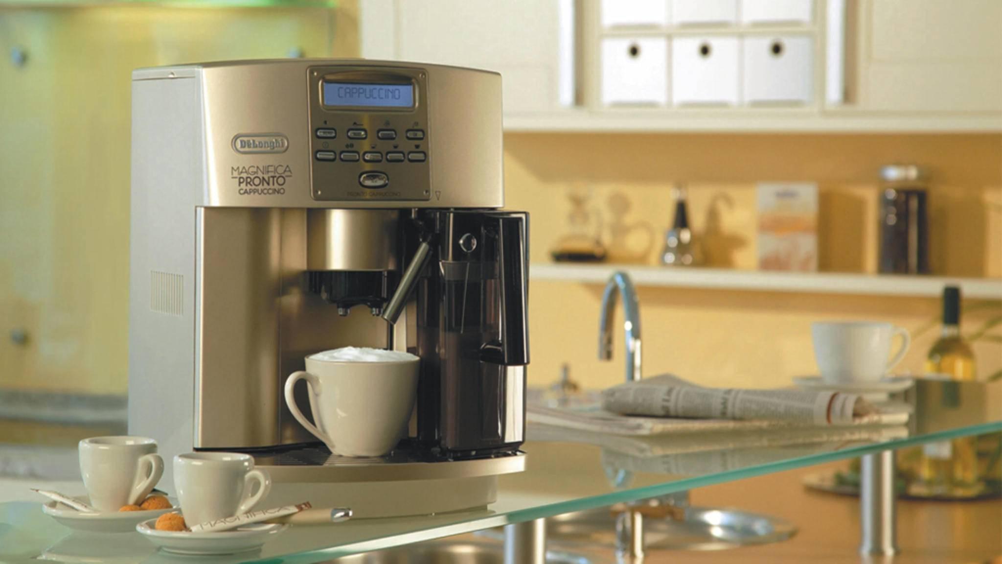 Ausfälle gibt es bei Kaffeevollautomaten laut Stiftung Warentest nicht. Blindkäufe werden trotzdem nicht empfohlen.