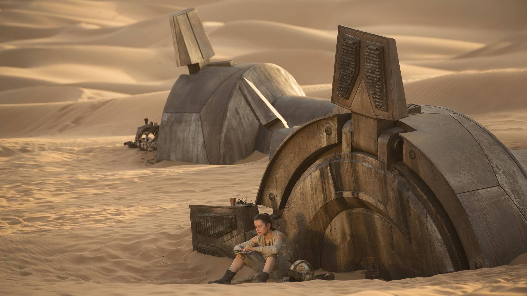 Die meiste Zeit ihres Lebens verbrachte Rey auf dem öden Wüstenplaneten Jakku.