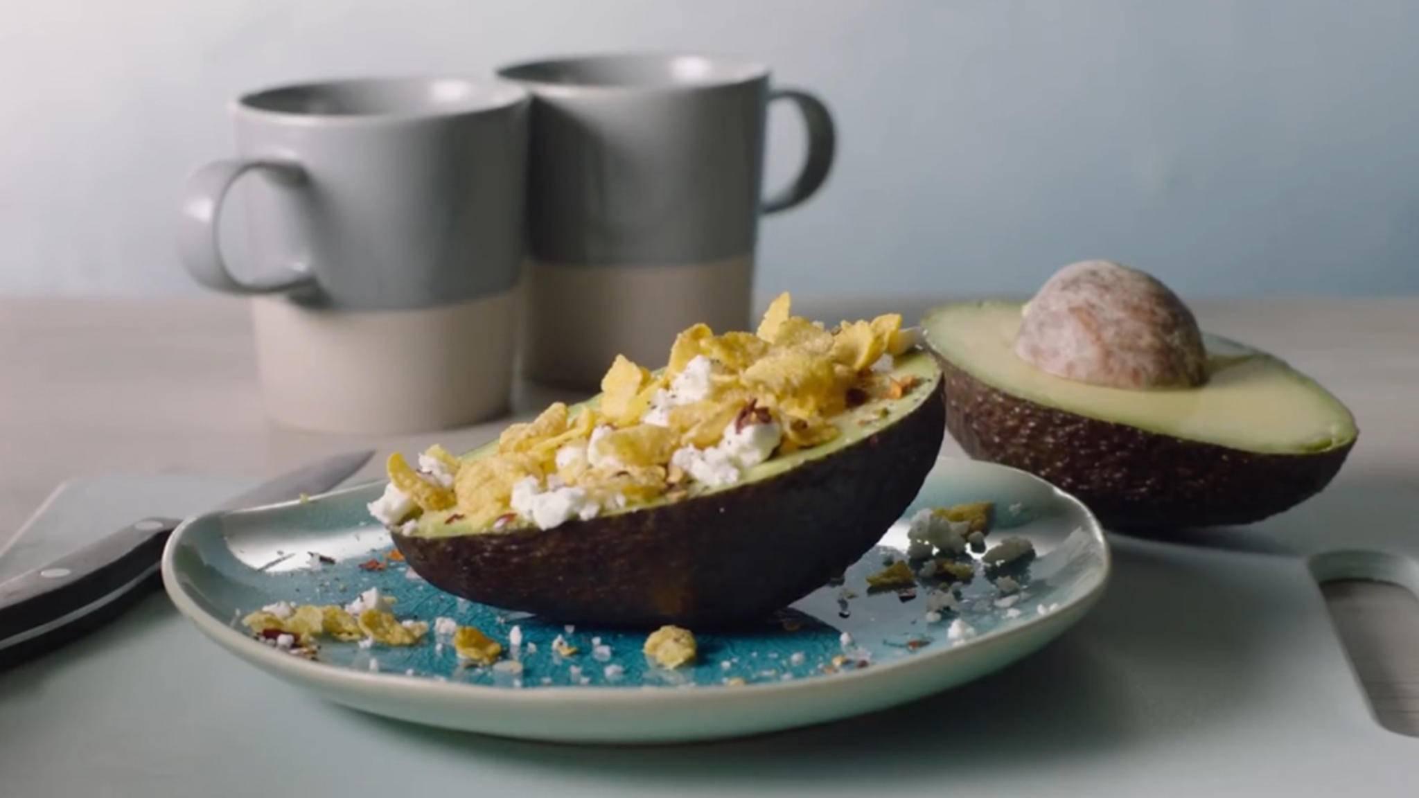 Sind Avocado mit Feta und Cornflakes eine harmlose Frühstücksidee oder ein Aufreger?