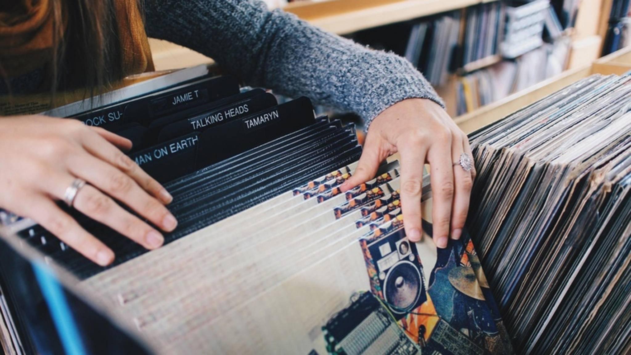 Von Oasis bis Dr. Dre: Ein Rückblick in die 90er-Jahre lohnt sich vor allem musikalisch.