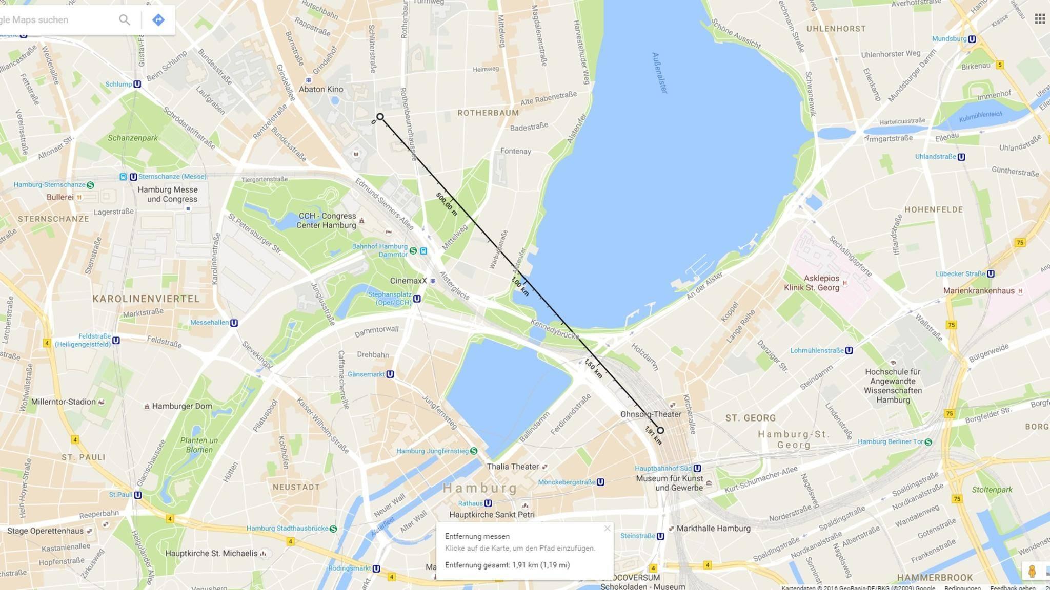 Von der Hamburger Universität bis zum Hauptbahnhof sind es laut Google Maps ungefähr zwei Kilometer.