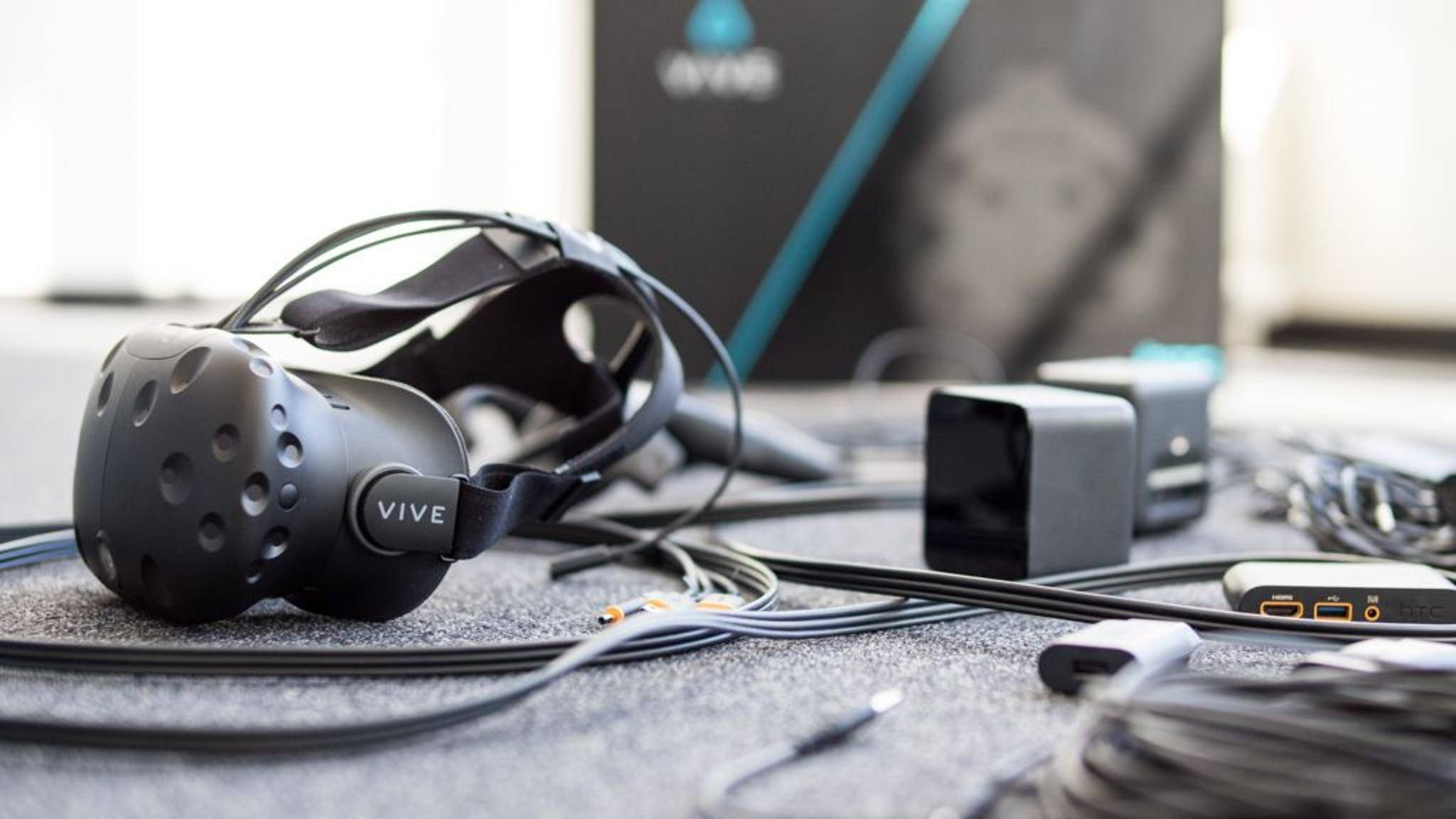 Virtual Reality-Brillen wie die HTC Vive gehörten zu den größten Technik-Trends des Jahres 2016.
