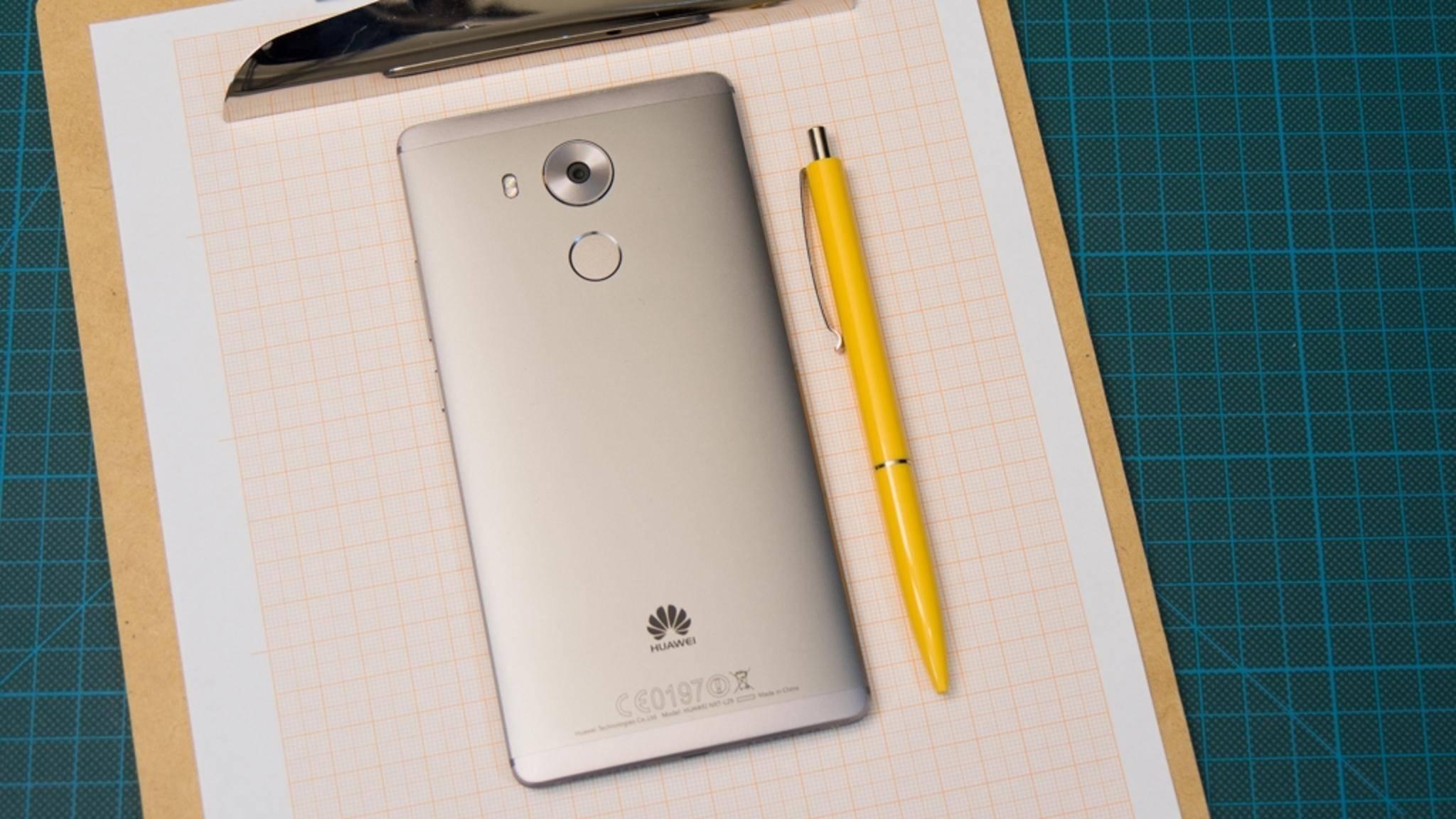 Das Huawei Mate 8 dürfte schon bald Android 7.0 erhalten.