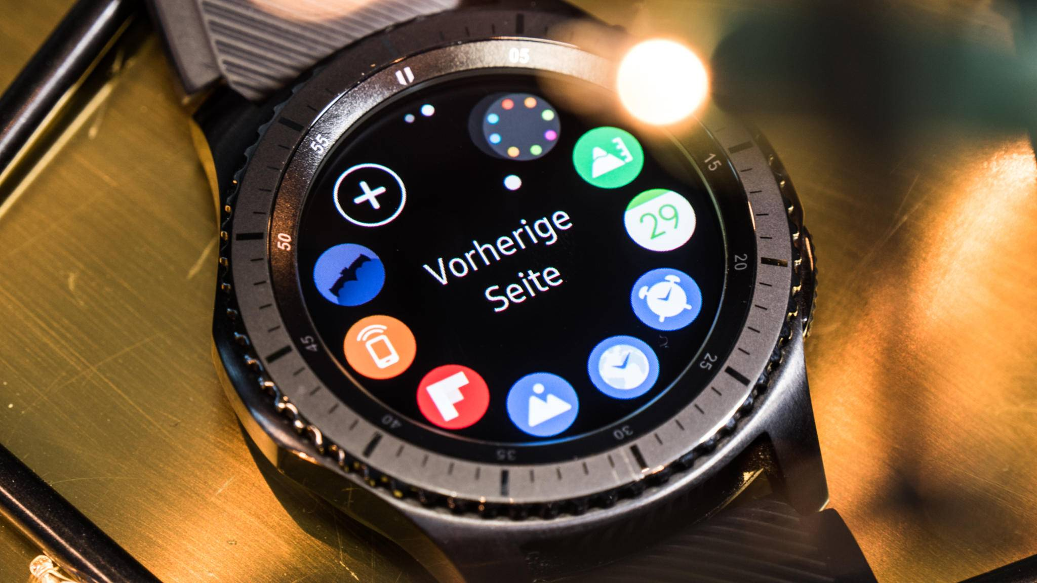 Die Gear S3 lässt sich mithilfe einer App direkt mit dem iPhone verbinden.