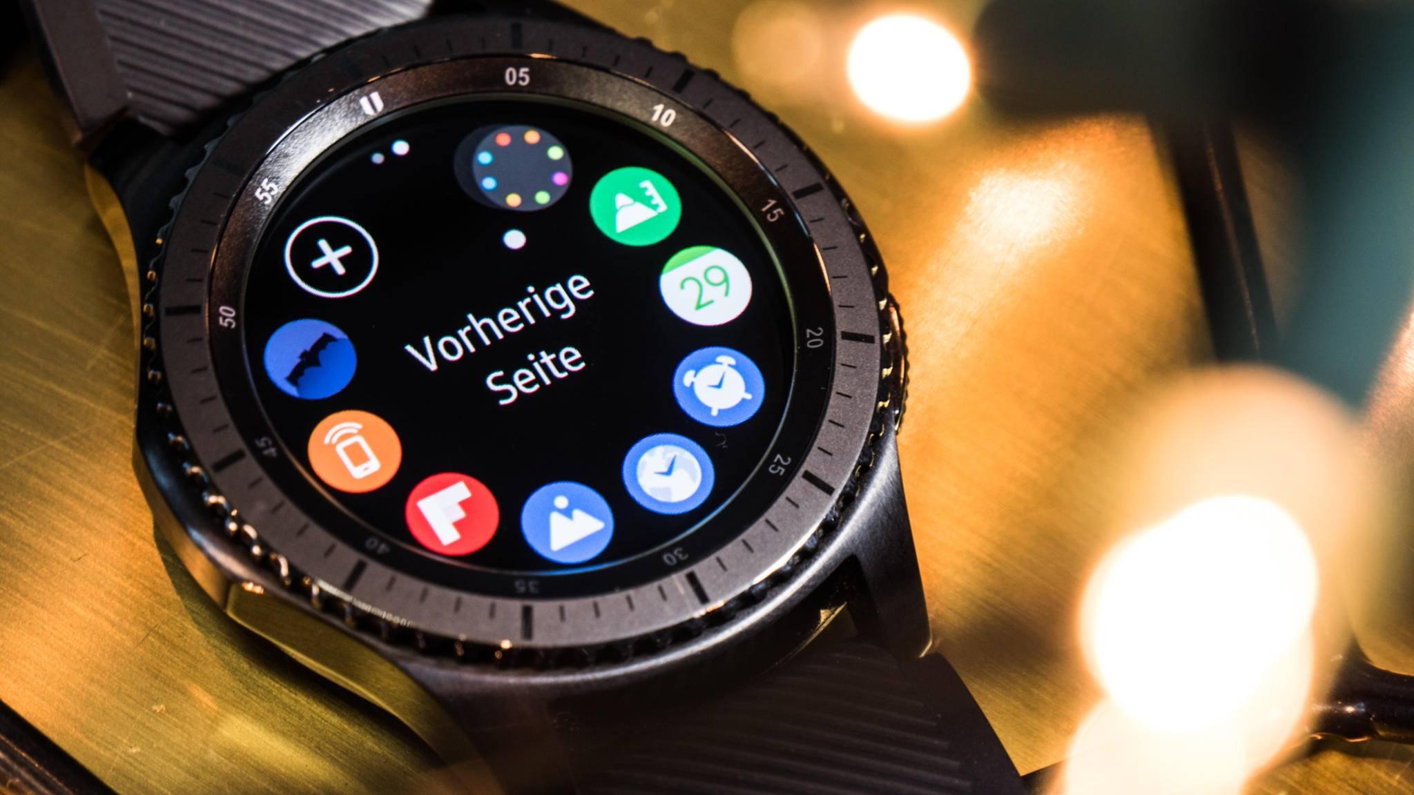 Eine Impelemtierung von Bixby auf der Gear 3 hätte der Popularität des Sprachassistenten sicher gut getan – dies holt Samsung jetzt bei der Gear S4 nach.