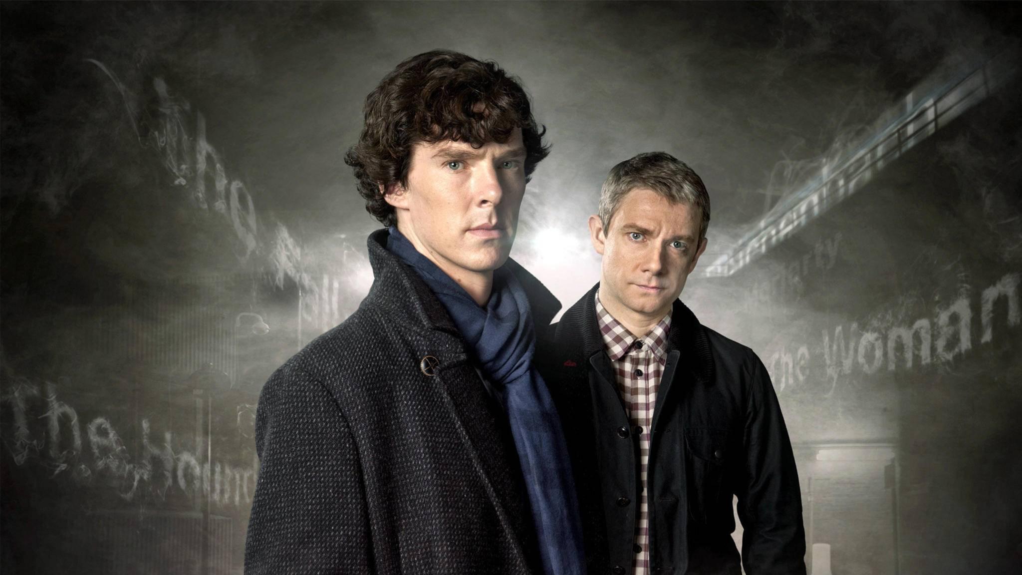 """Benedict Cumberbatch (l.) beeindruckt als etwas anderer Detektiv in der BBC-Serie """"Sherlock""""."""