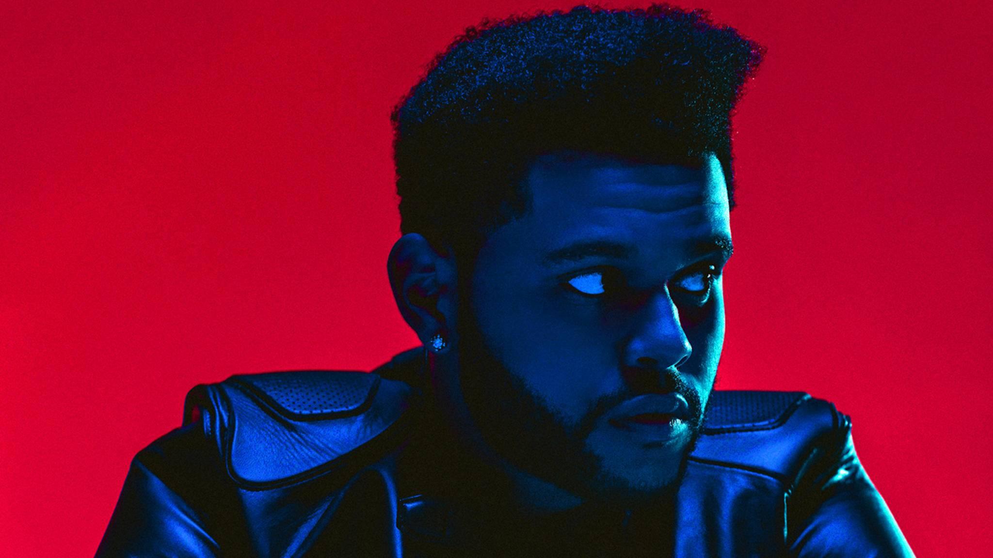 """The Weeknd kleidet seine Fans in Pop-up-Stores mit """"Starboy""""-Merch ein."""