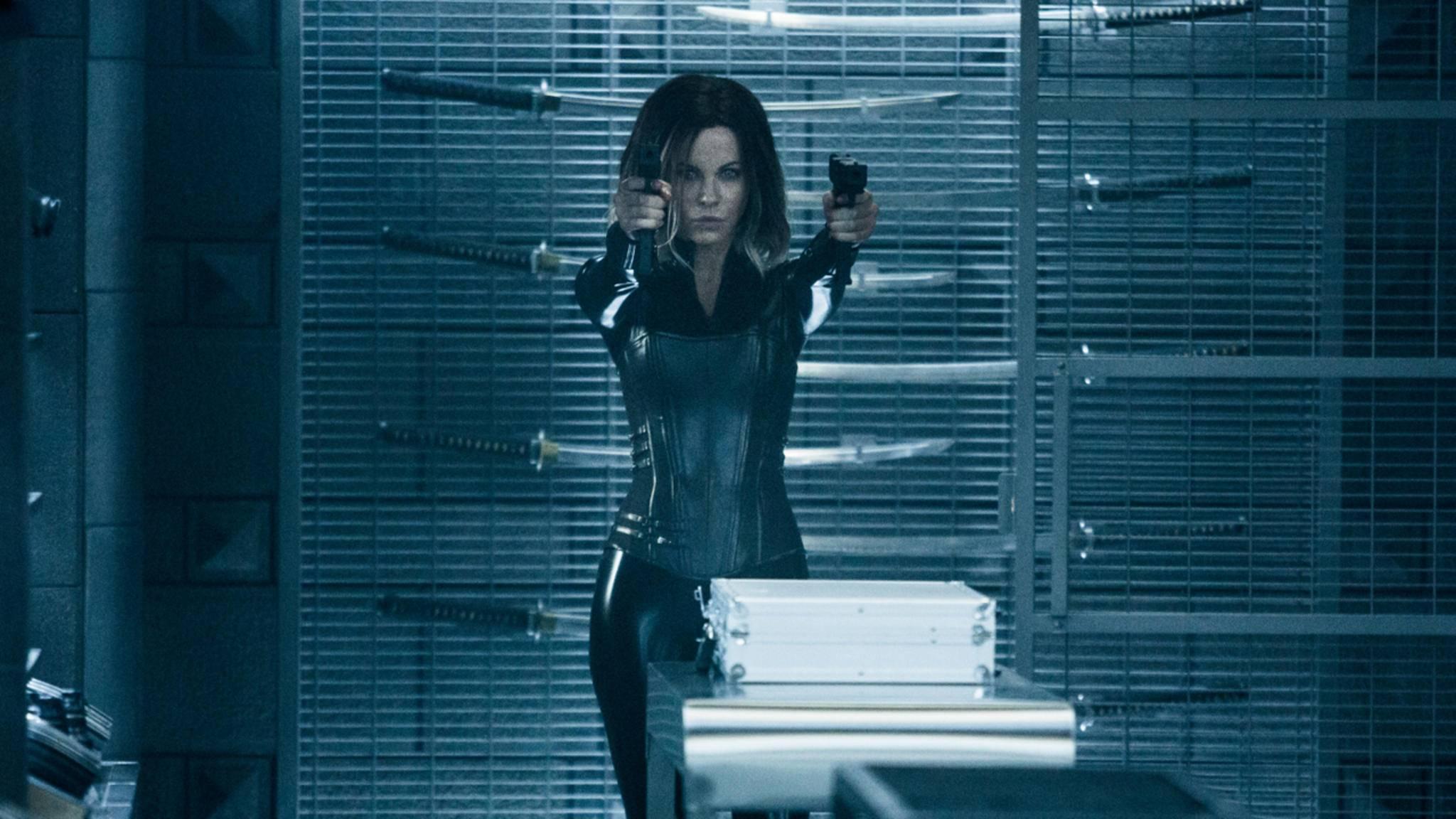 Wer wohl in der TV-Adaption in die Fußstapfen von Kino-Star Kate Beckinsale treten wird?