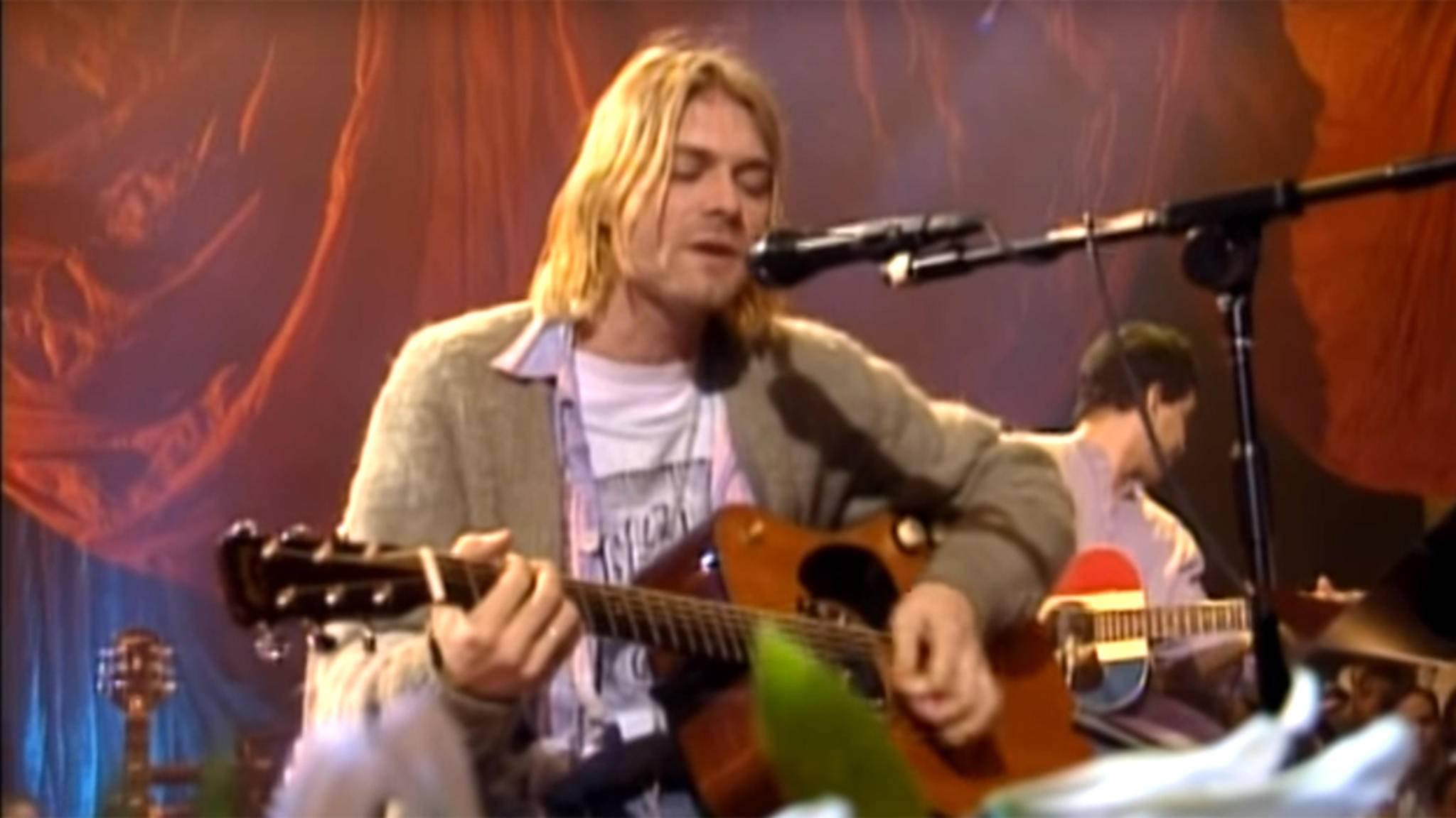 Eine Gitarre aus dem Instrumentenrepertoire von Kurt Cobain wird nun in einer Auktion angeboten.