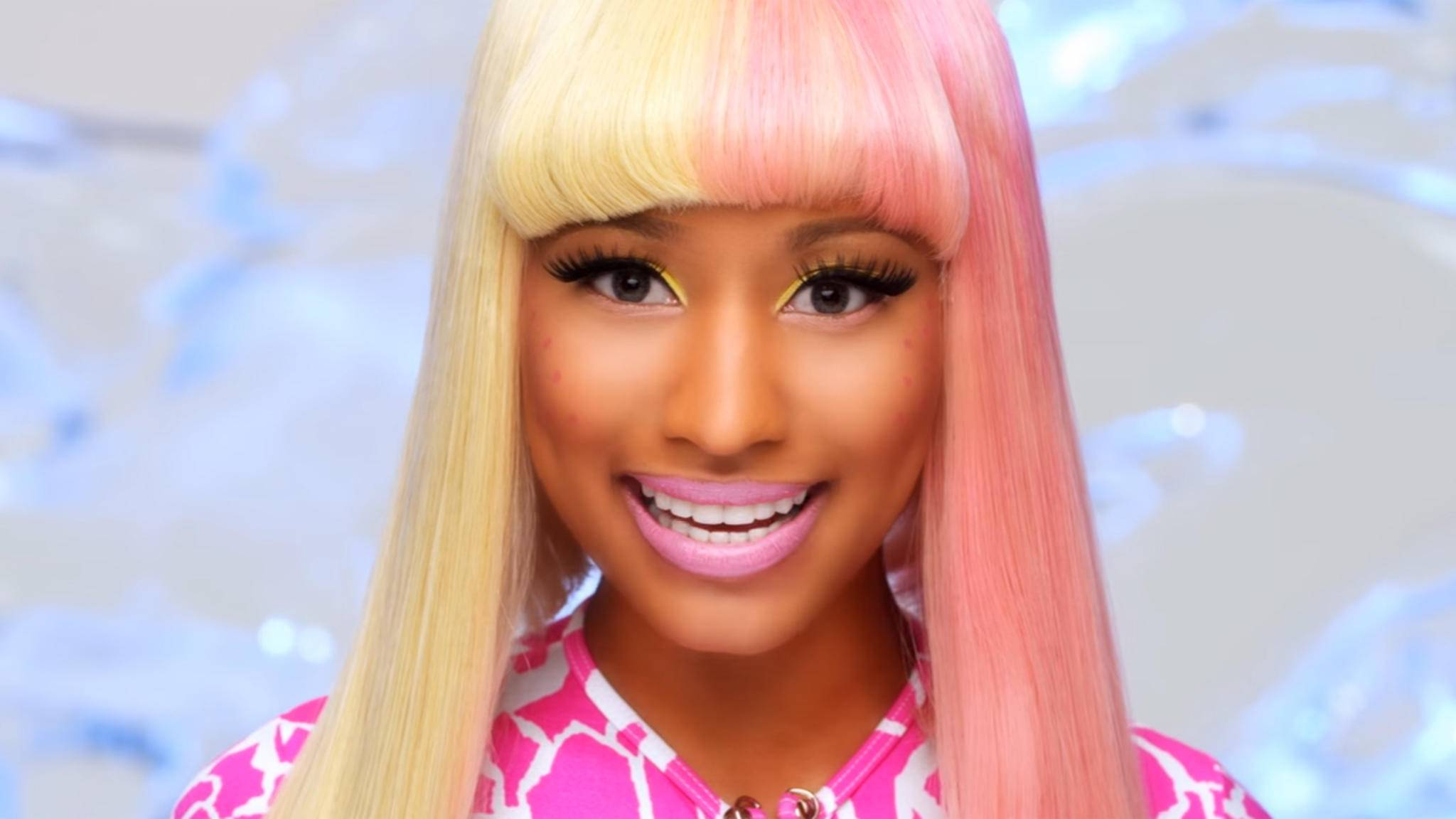Nicki Minaj inszeniert sich gern als wandelndes Kunstwerk – kein Wunder, dass auch ihr Name eigentlich ein anderer ist...