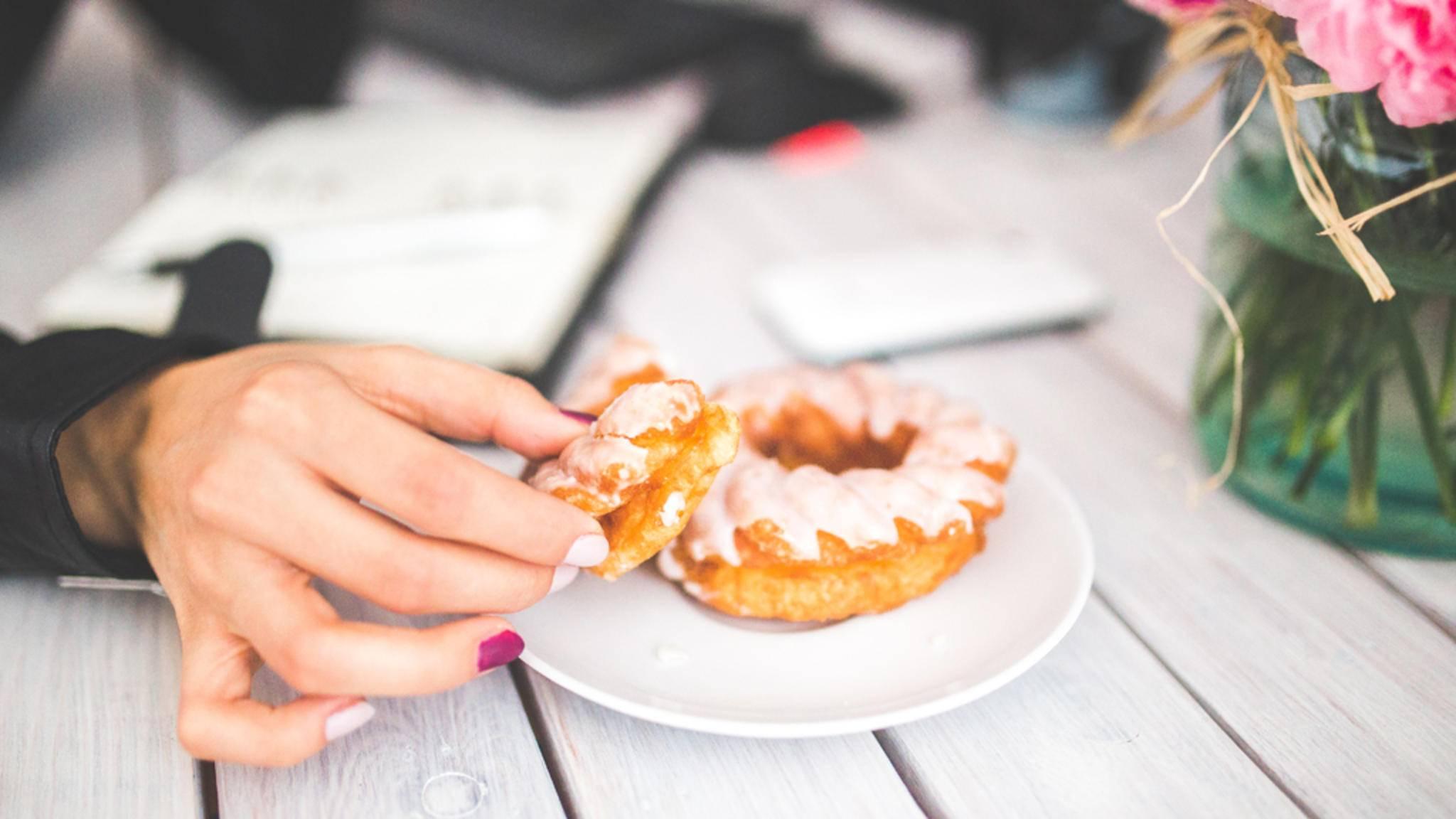 Heißhunger auf Süßes? Vielleicht helfen Dir diese neun Tricks.