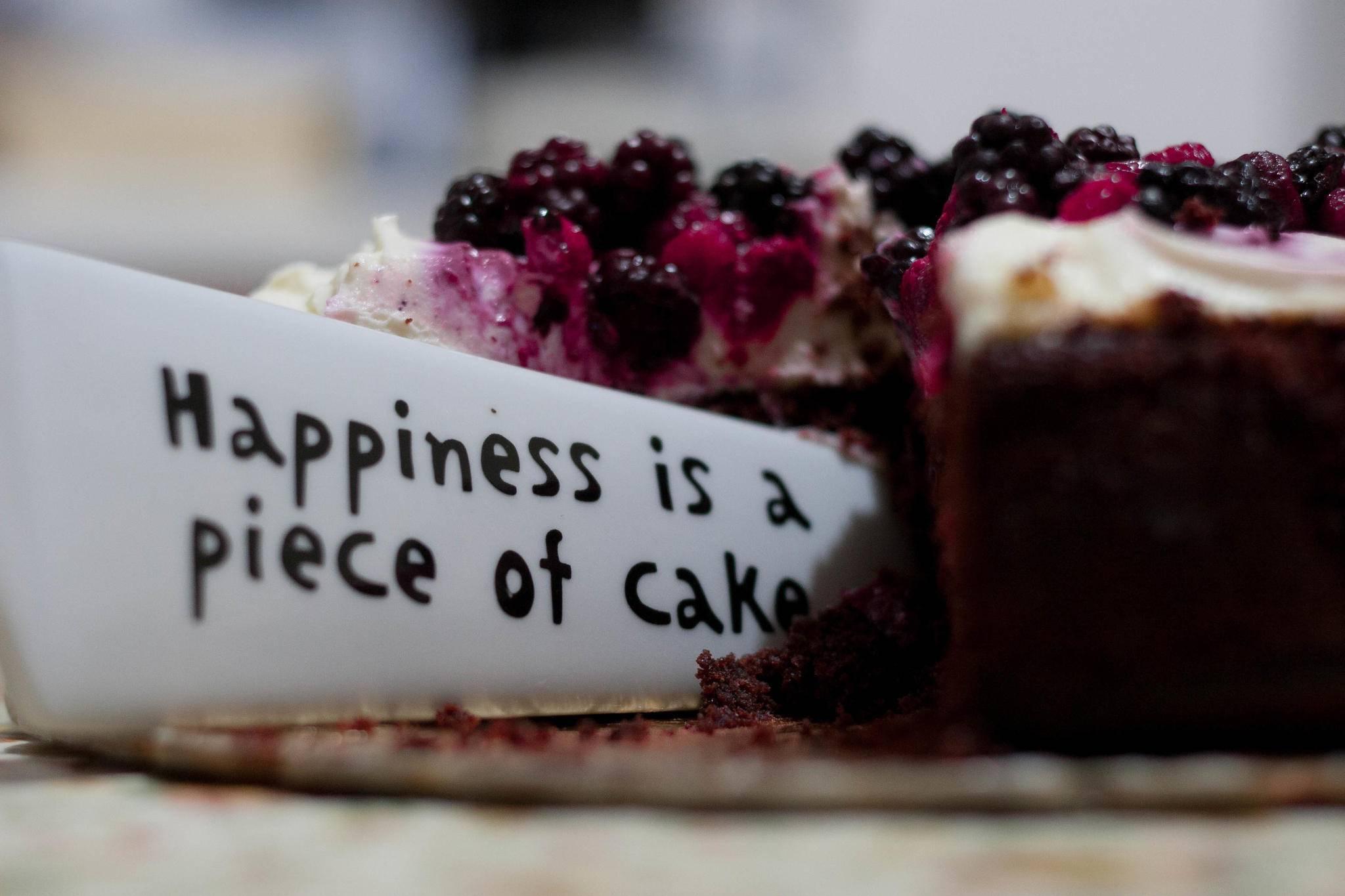 Ein Stück vom Glück. Kuchen geht auch ohne Backen.