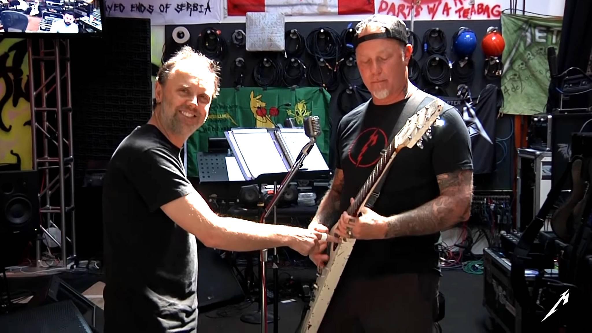 James Hetfield und Lars Ulrich hatten bei den Aufnahmen offenbar jede Menge Spaß.
