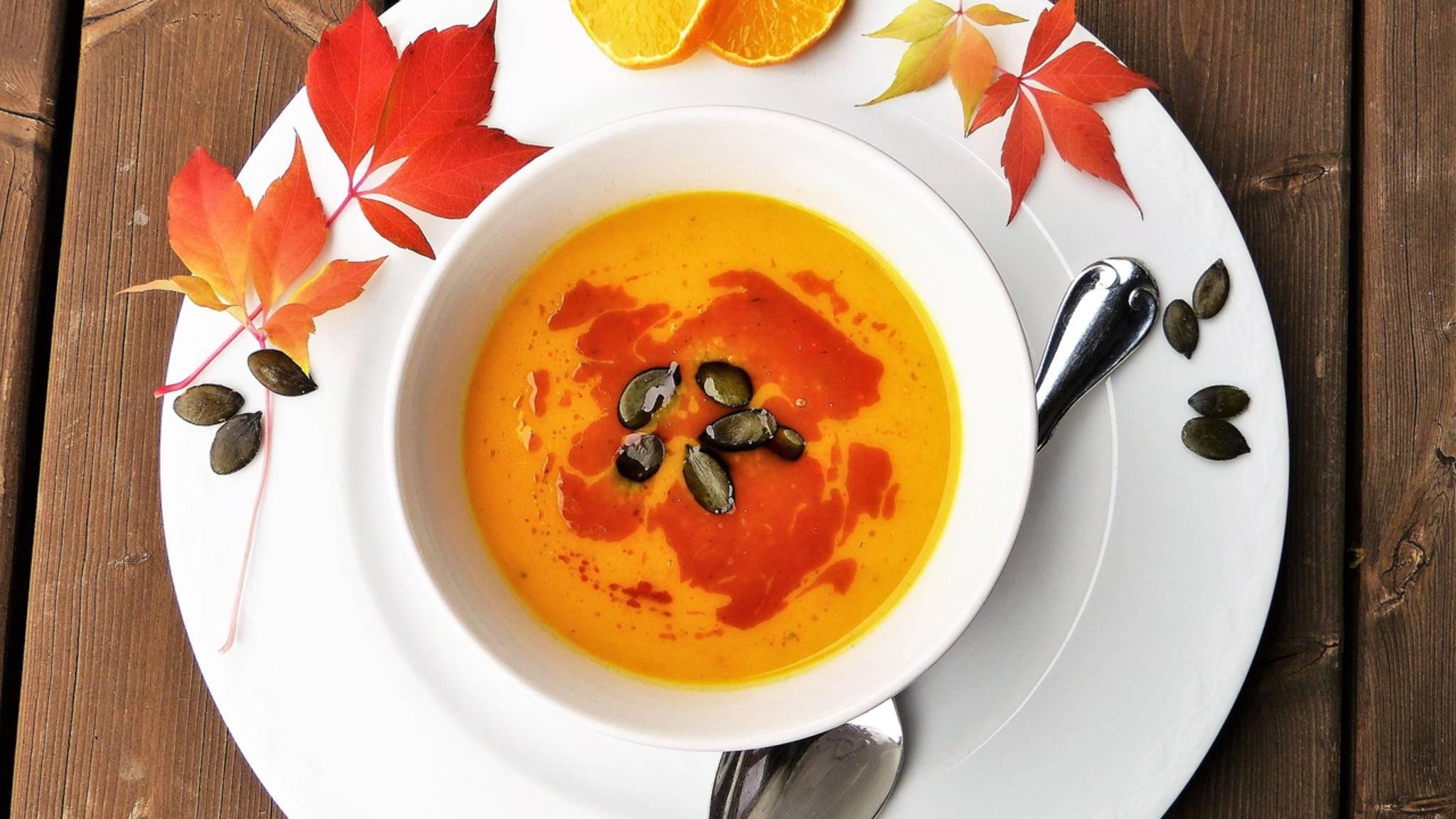 Trotz des Namens: Gegen das Suppenkoma hilft auch eine leichte Suppe zu Mittag.