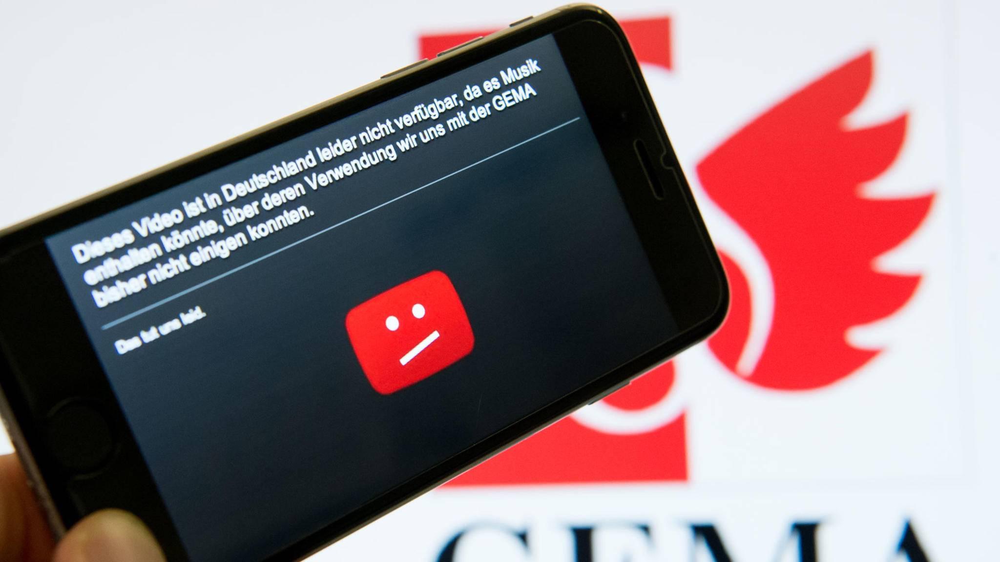 Inzwischen hat sich YouTube mit der Gema auf eineUrhebervergütung geeinigt.