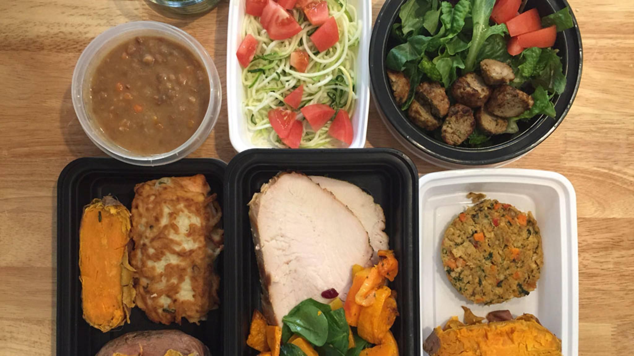 Suppe, Salat, Fleisch oder Gemüse: Meal-Prep-Gerichte sind äußerst vielseitig. Hier findest Du Inspiration für eigene Vorkoch-Aktionen!