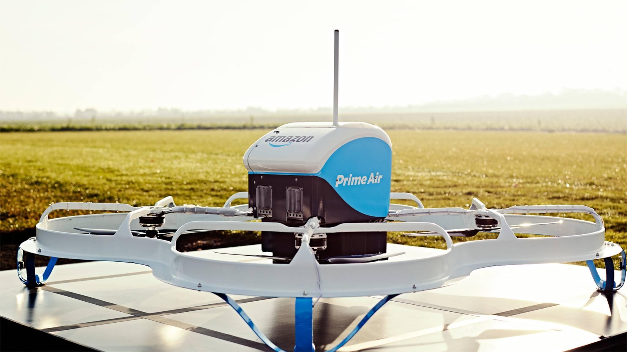 Der größte Feind des Postboten? Zumindest auf dem Land könnte Amazons Quadcopter-Lieferung Menschen bald den Job streitig machen.