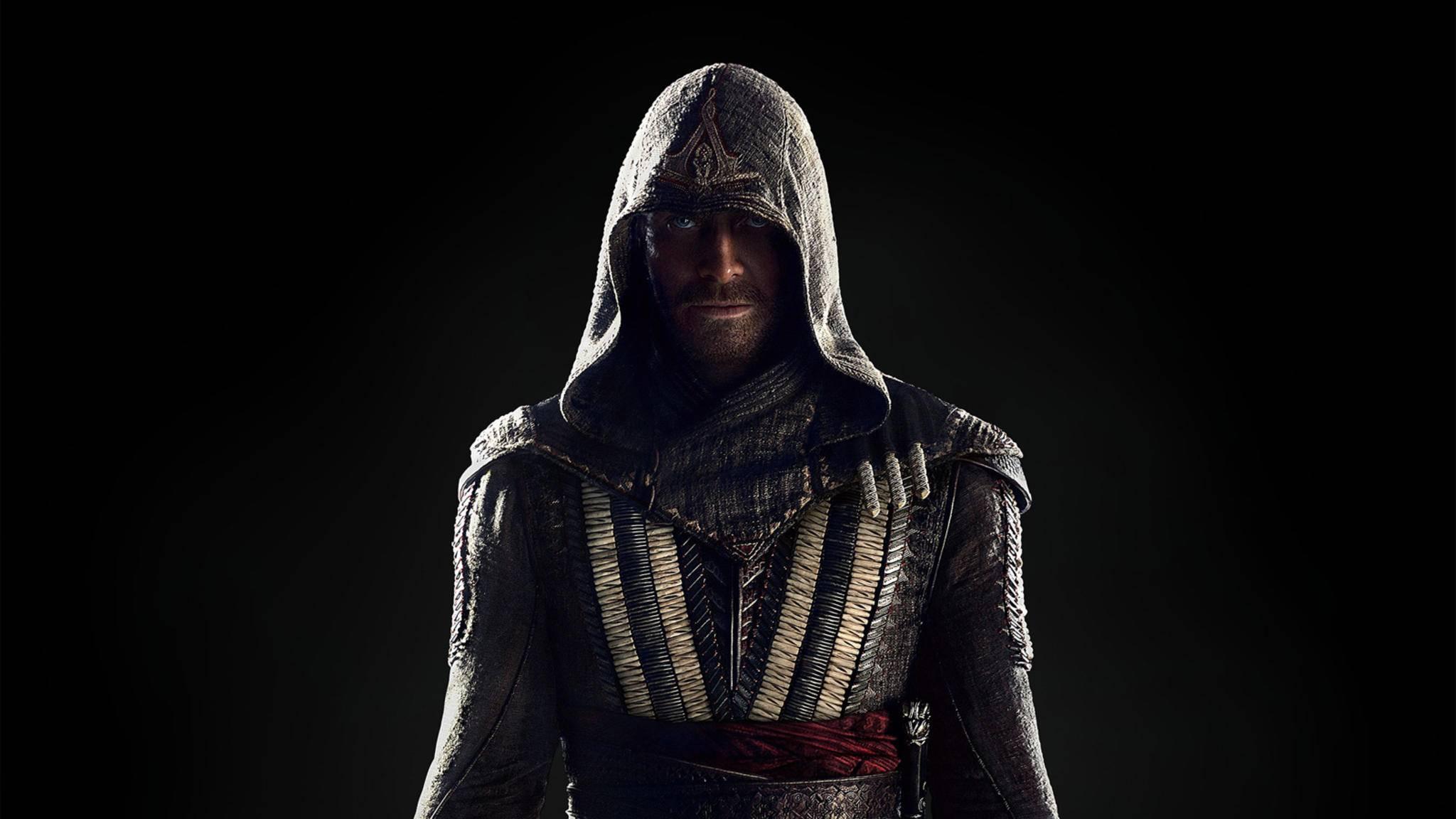 """2016 verwandelte sich Michael Fassbender im """"Assassin's Creed""""-Film zum Meuchelmörder."""