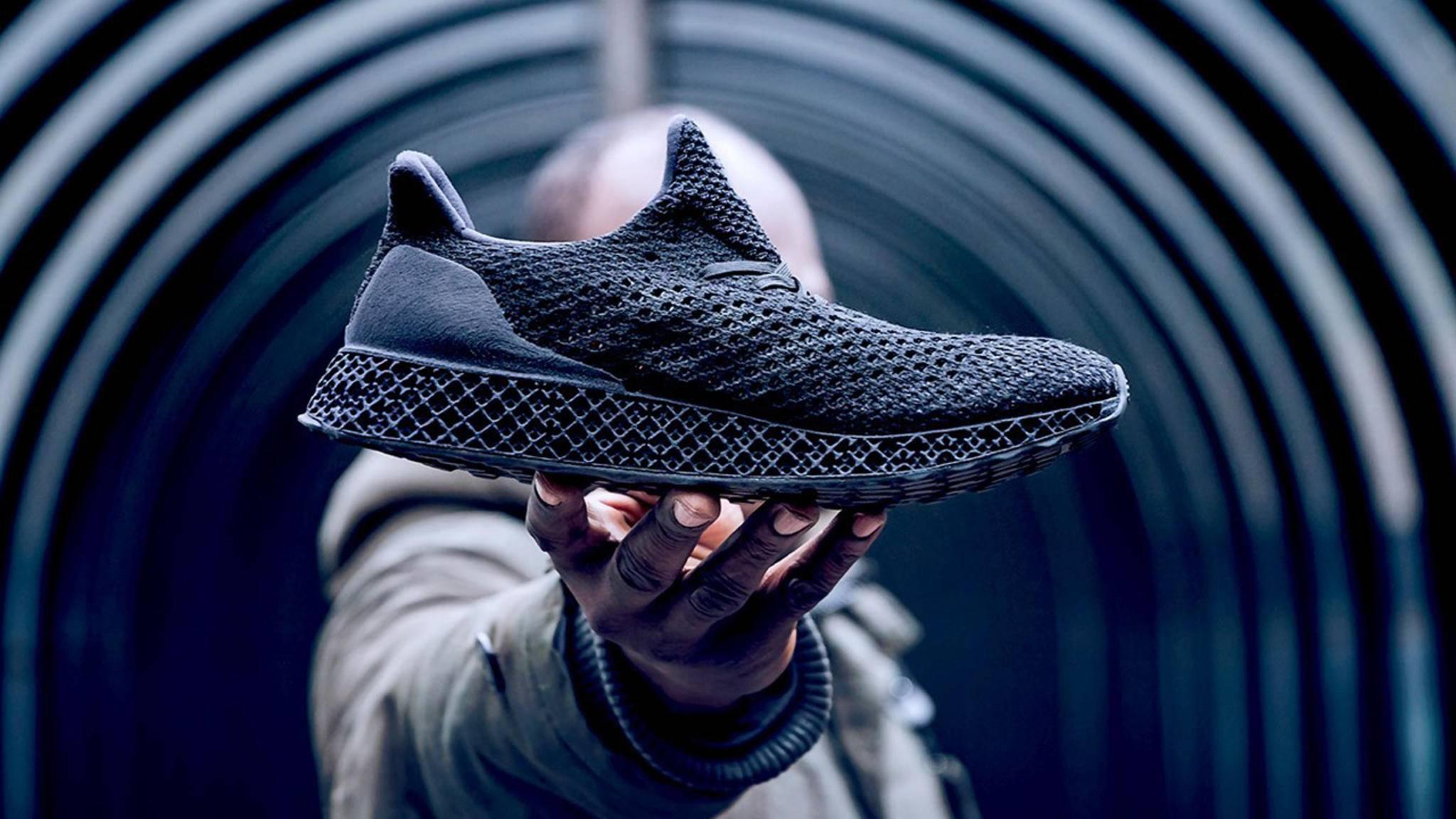 """Adidas verkauft mit dem """"3D-Runner"""" erstmals einen Schuh aus dem 3D-Drucker."""