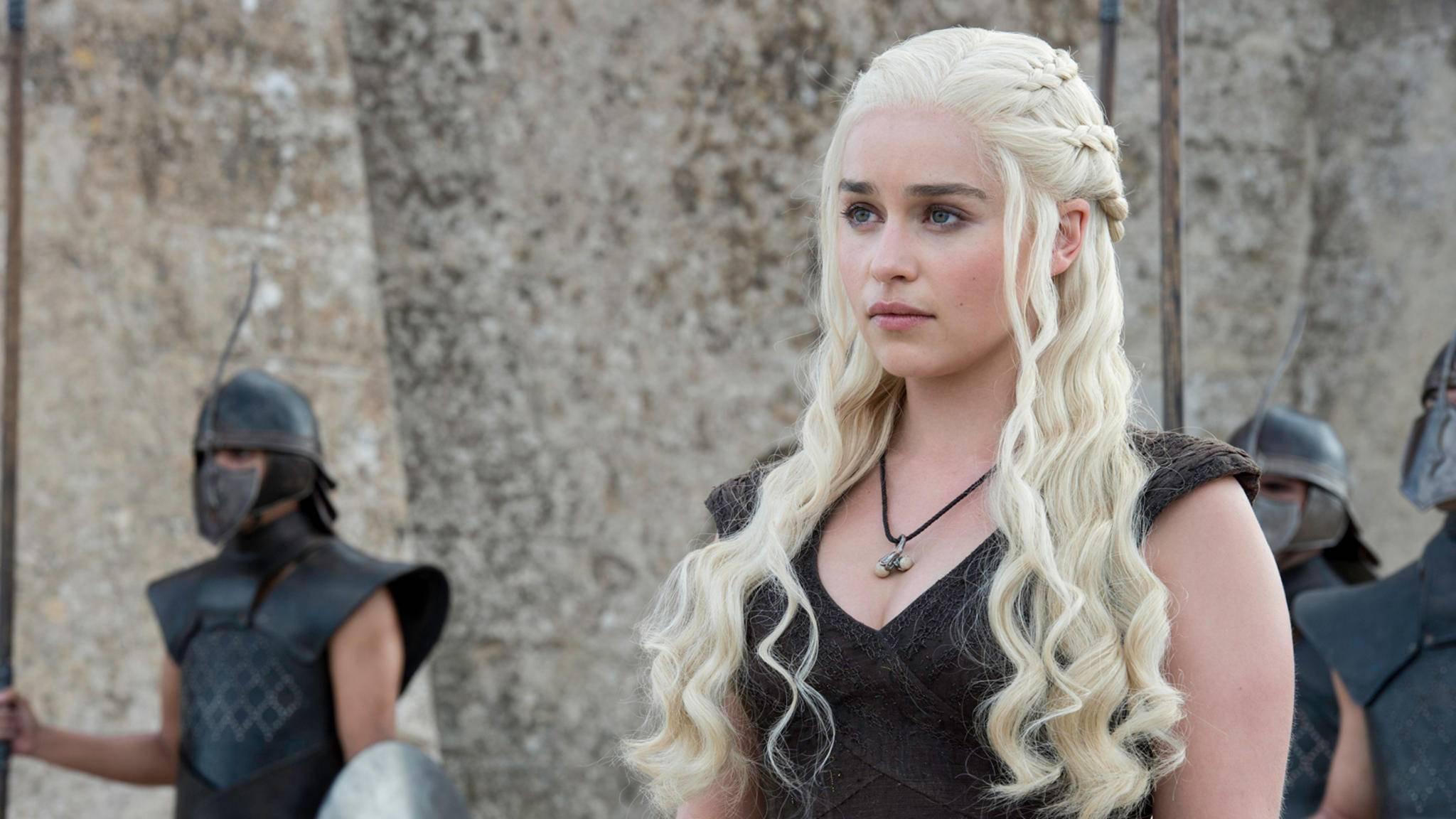 Daenerys Targaryen ist seit dem Ende von Staffel 1 der (scheinbar) letzte noch lebende Spross aus dem Stammbaum der Familie Targaryen.