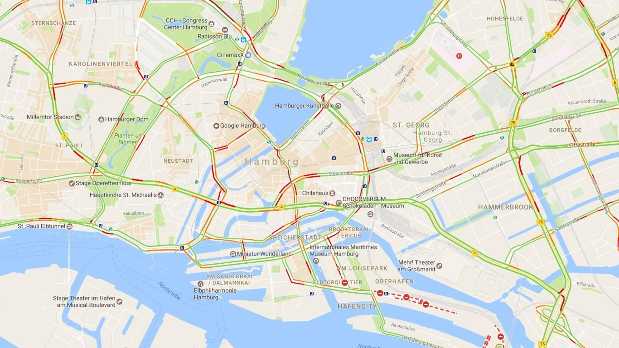 Google Maps bietet unter anderem aktuelle Verkehrsinfos.