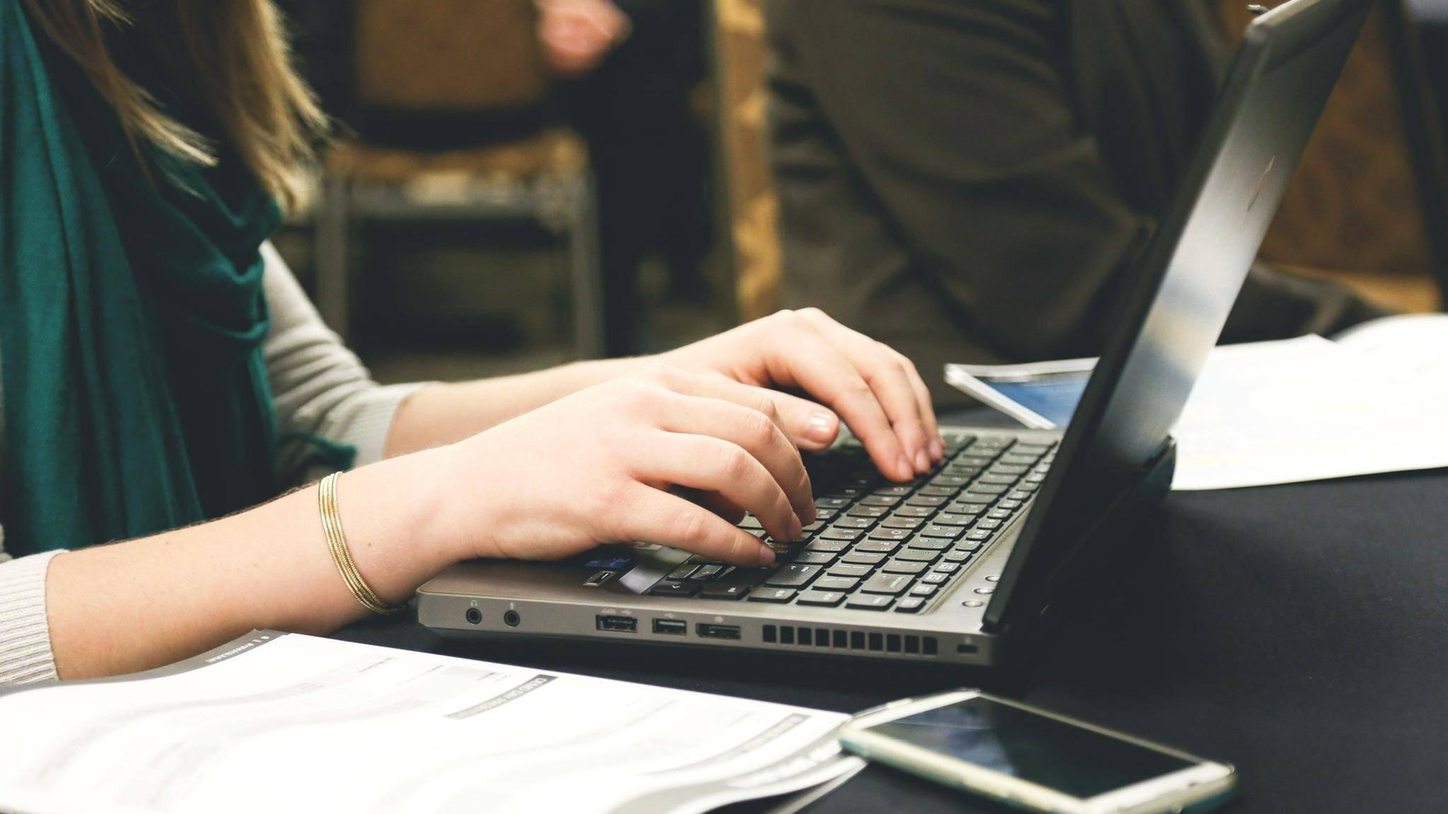 In Open Office gibt es zwei Menüs für das Ändern des Zeilenabstands.