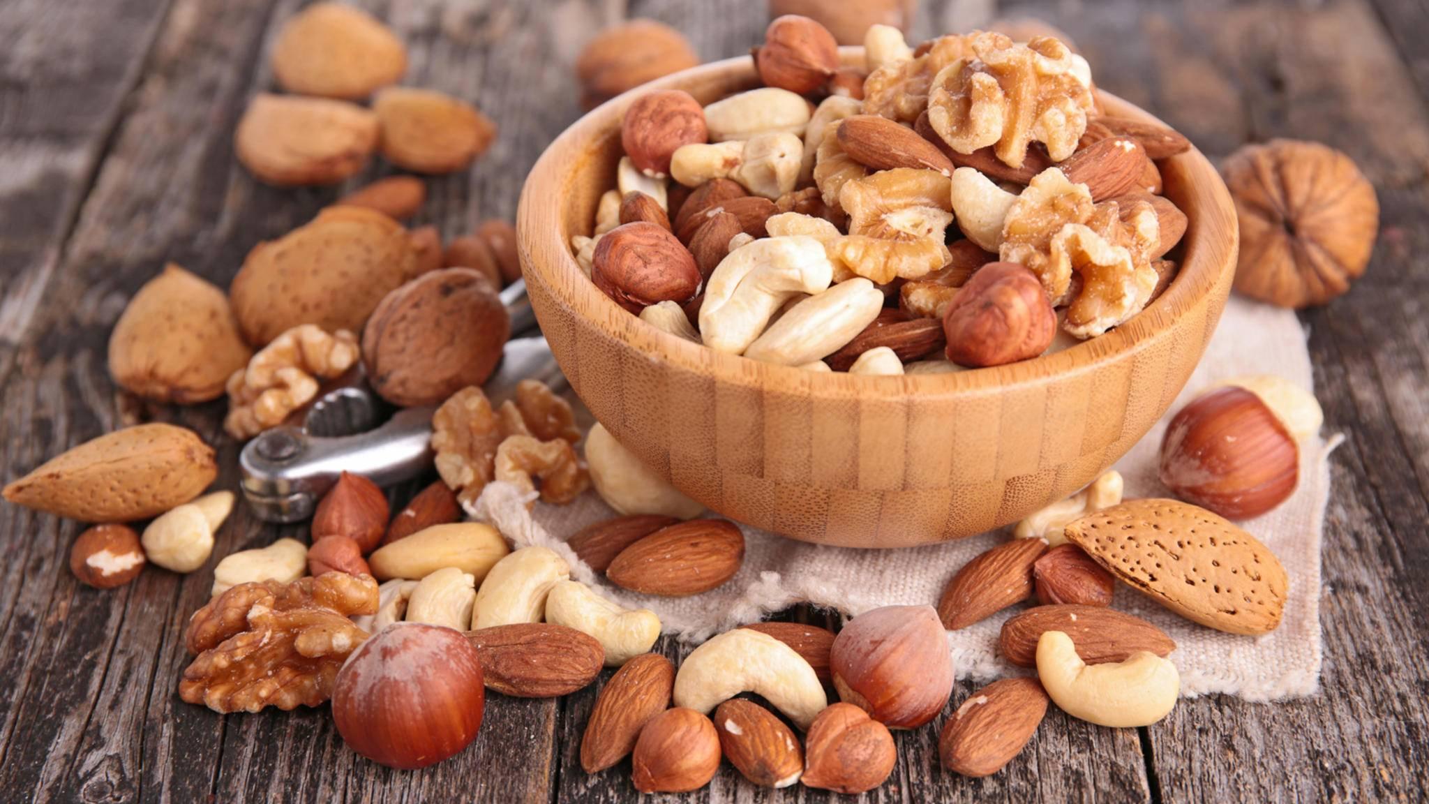 Ruhig ordentlich zugreifen: Nüsse haben jede Menge gesunde Inhaltsstoffe.